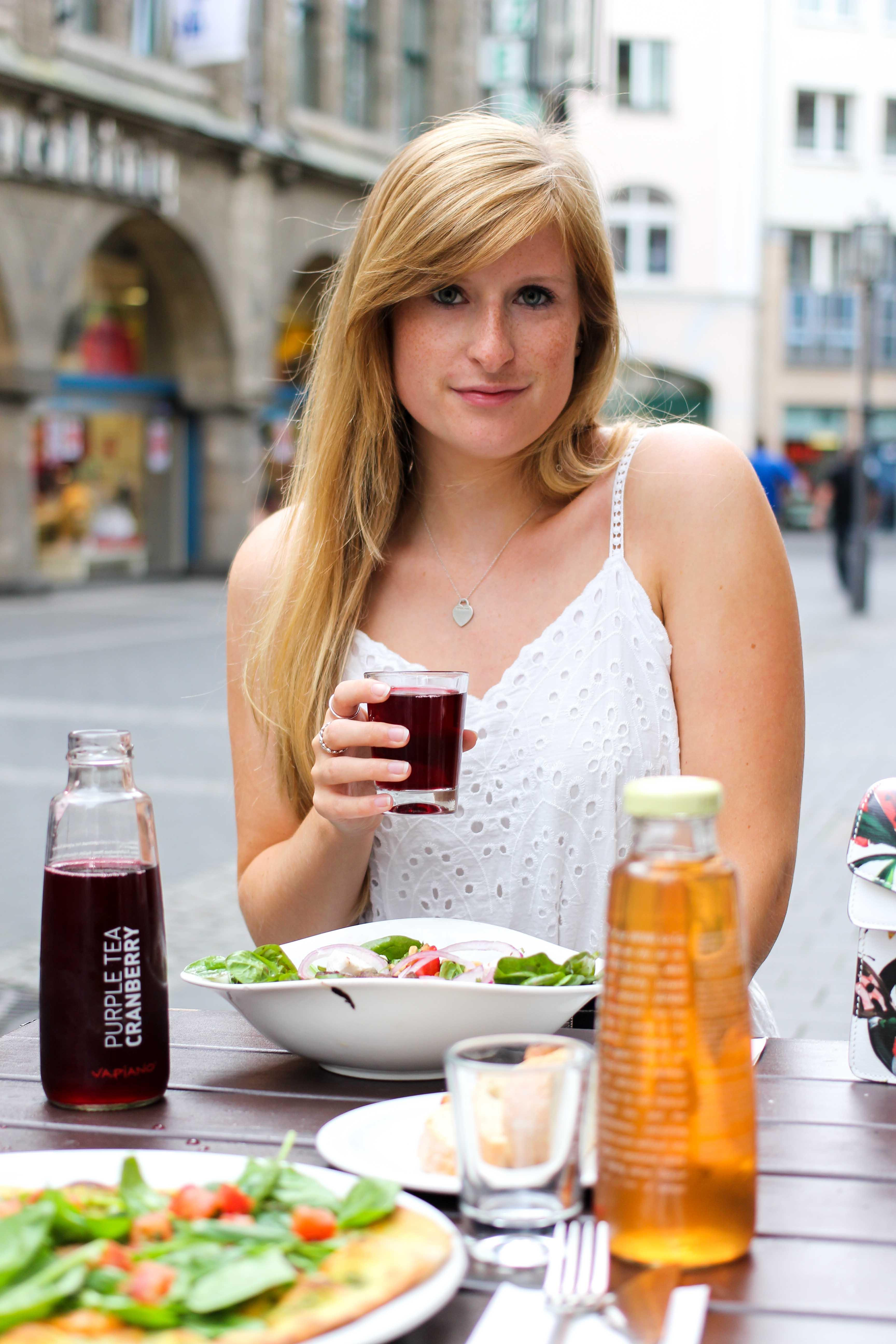 Vapiano Bonn Blogger Ice Tea Purple Tea Cranberry Neu Gesund frisch Essen gehen Bonn 2