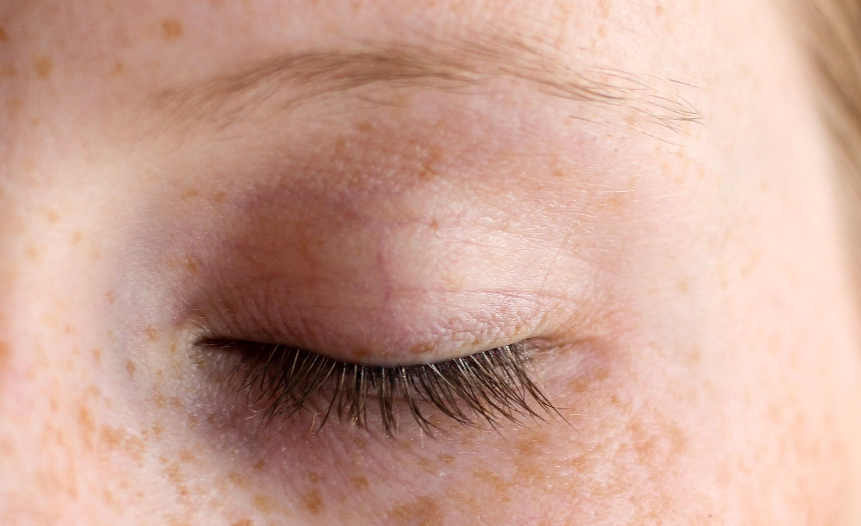 Augenpartie Lange Wimpern RELASH Wimpernserum Orphica Beauty Blog Test Anwendung Nachher 1