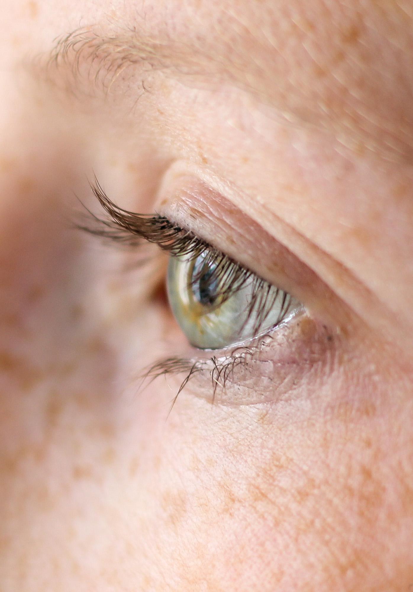 Augenpartie Lange Wimpern RELASH Wimpernserum Orphica Beauty Blog Test Anwendung Nachher 2