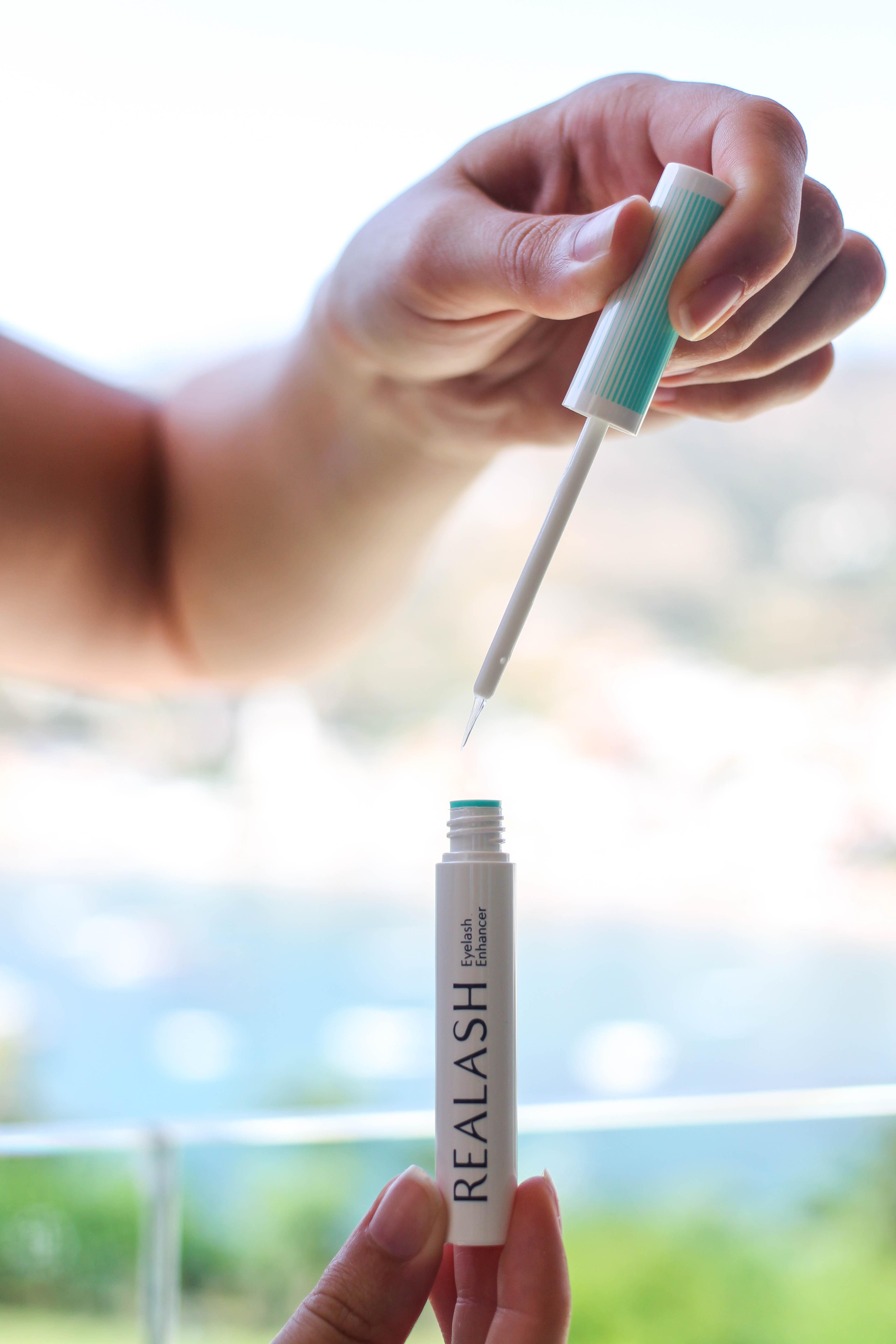 Augenpartie Lange Wimpern RELASH Wimpernserum Orphica Beauty Blog Test Anwendung