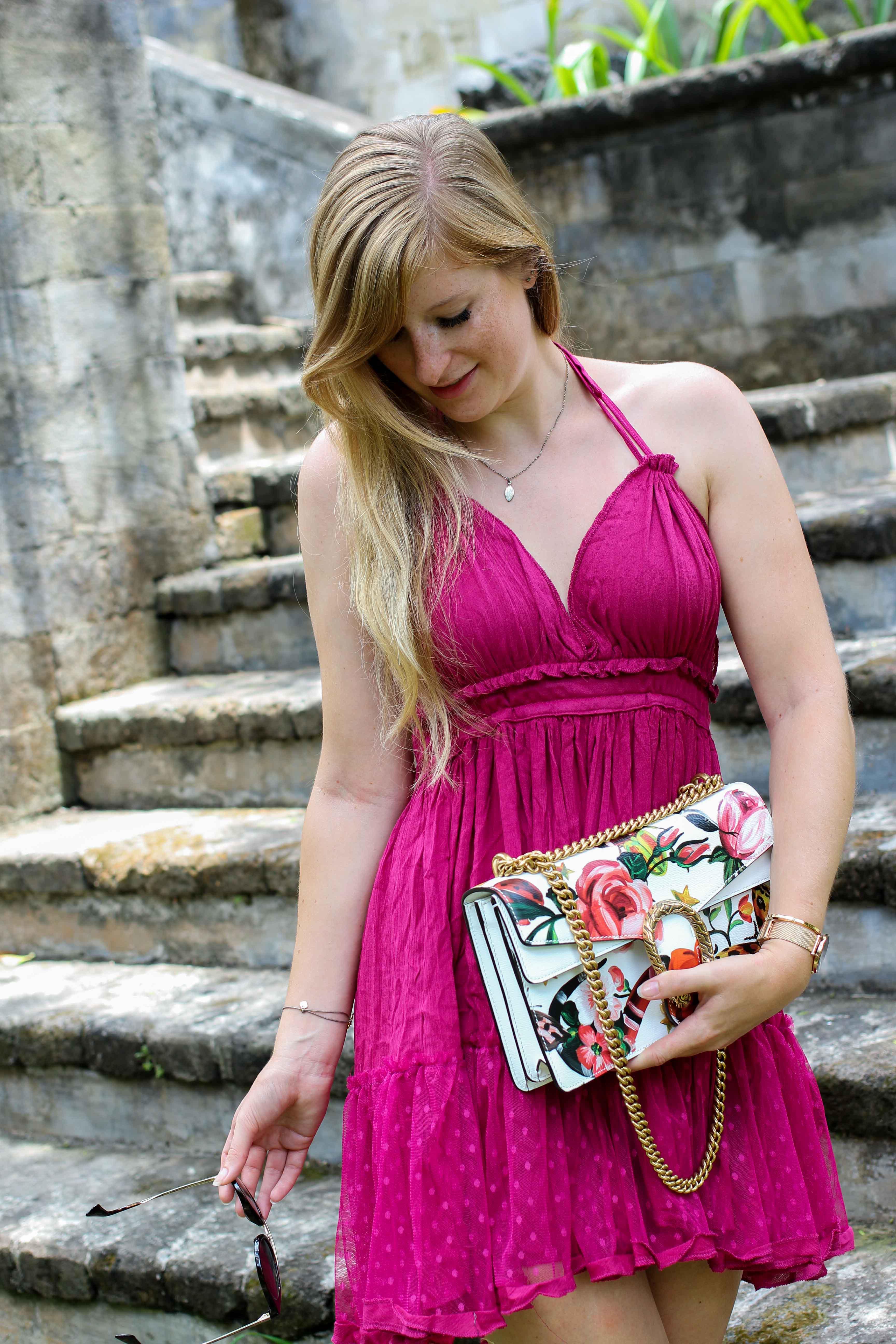 Pinkes Neckholder Kleid kombinieren Sommeroutfit Bali indonesien was tragen Modeblogger Gucci Dionysus garden print 12