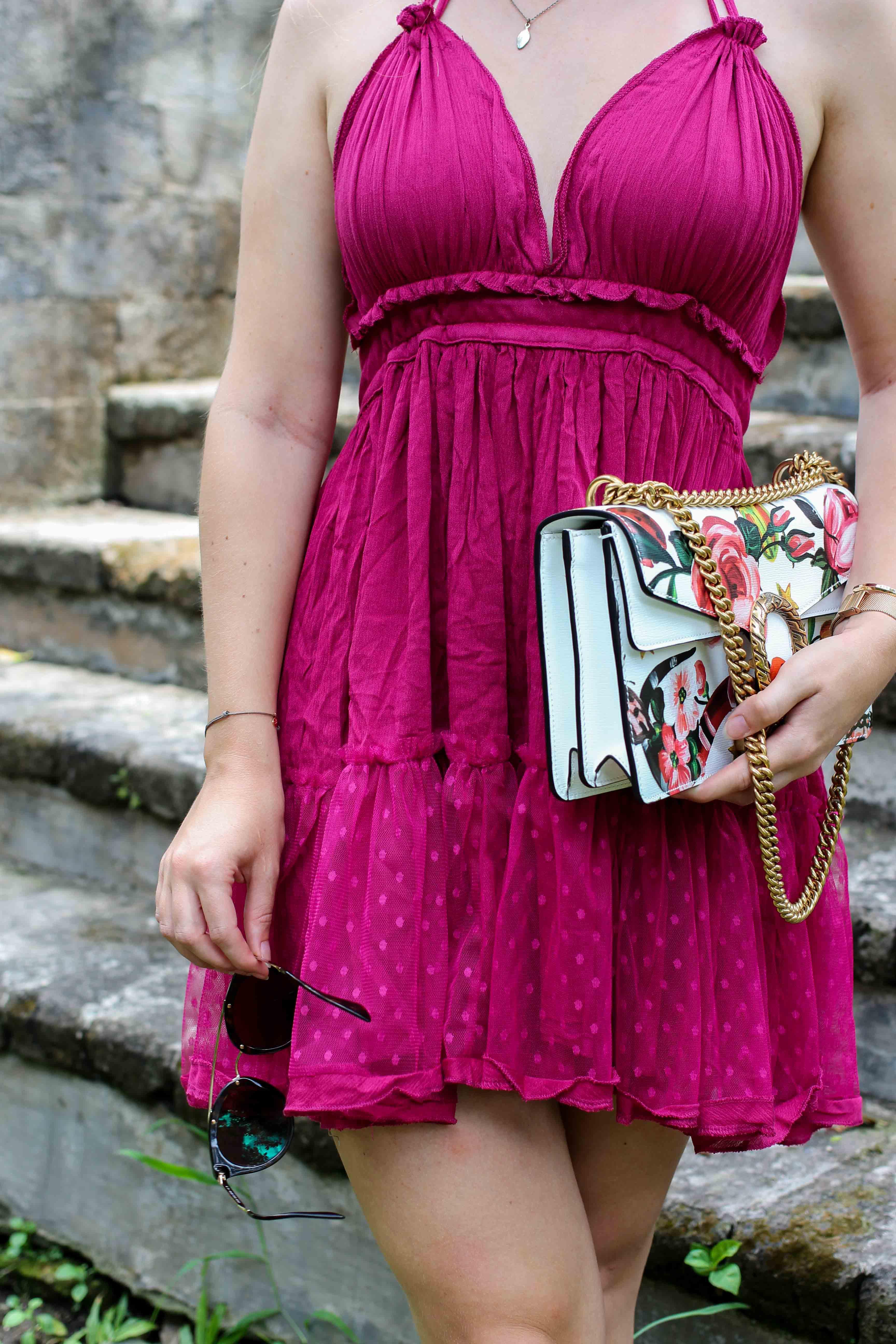 Pinkes Neckholder Kleid kombinieren Sommeroutfit Bali indonesien was tragen Modeblogger Gucci Dionysus garden print