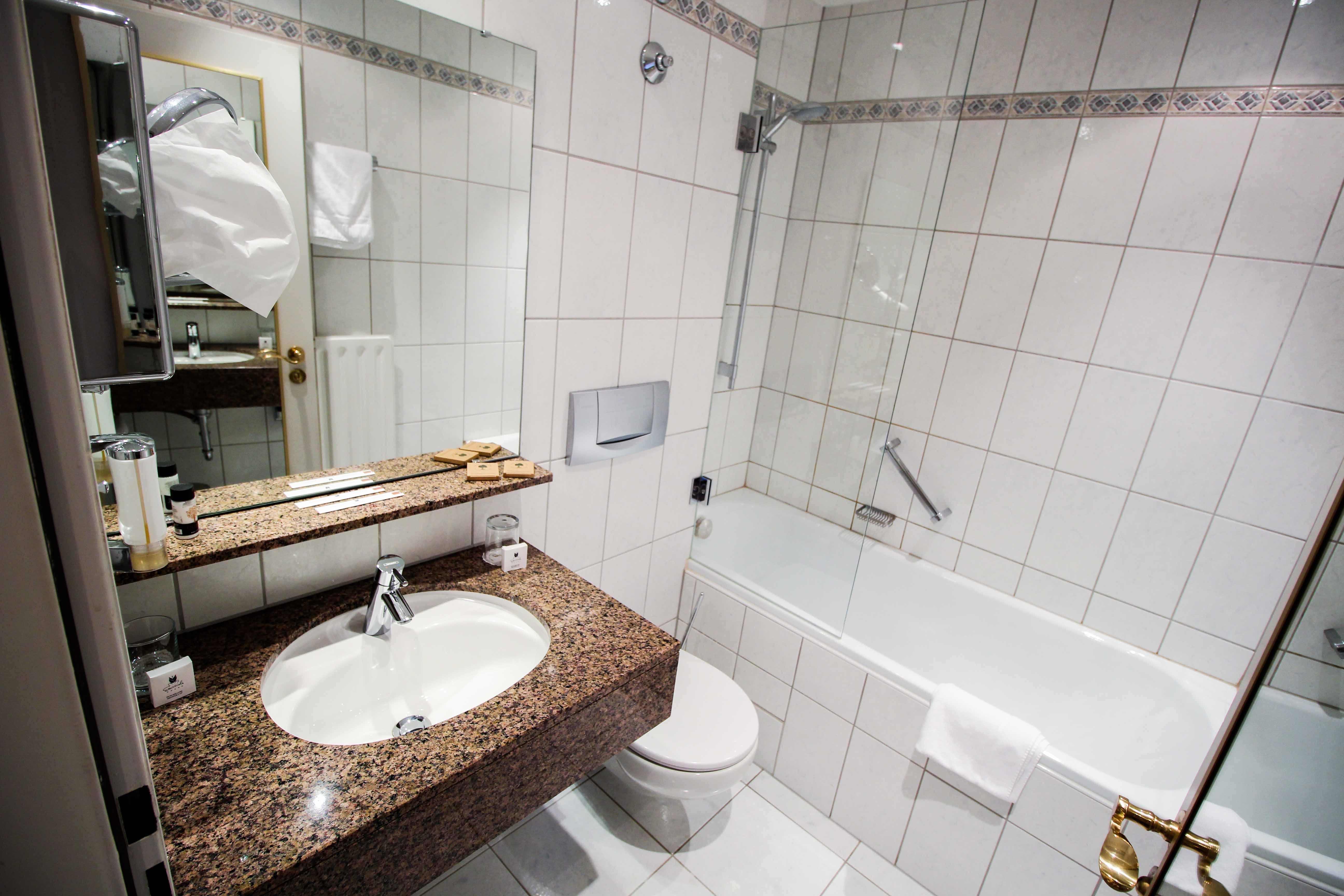 Schlosshotel Karlsruhe Badezimmer Luxushotel Hotel Review Reiseblog Brinisfashionbook