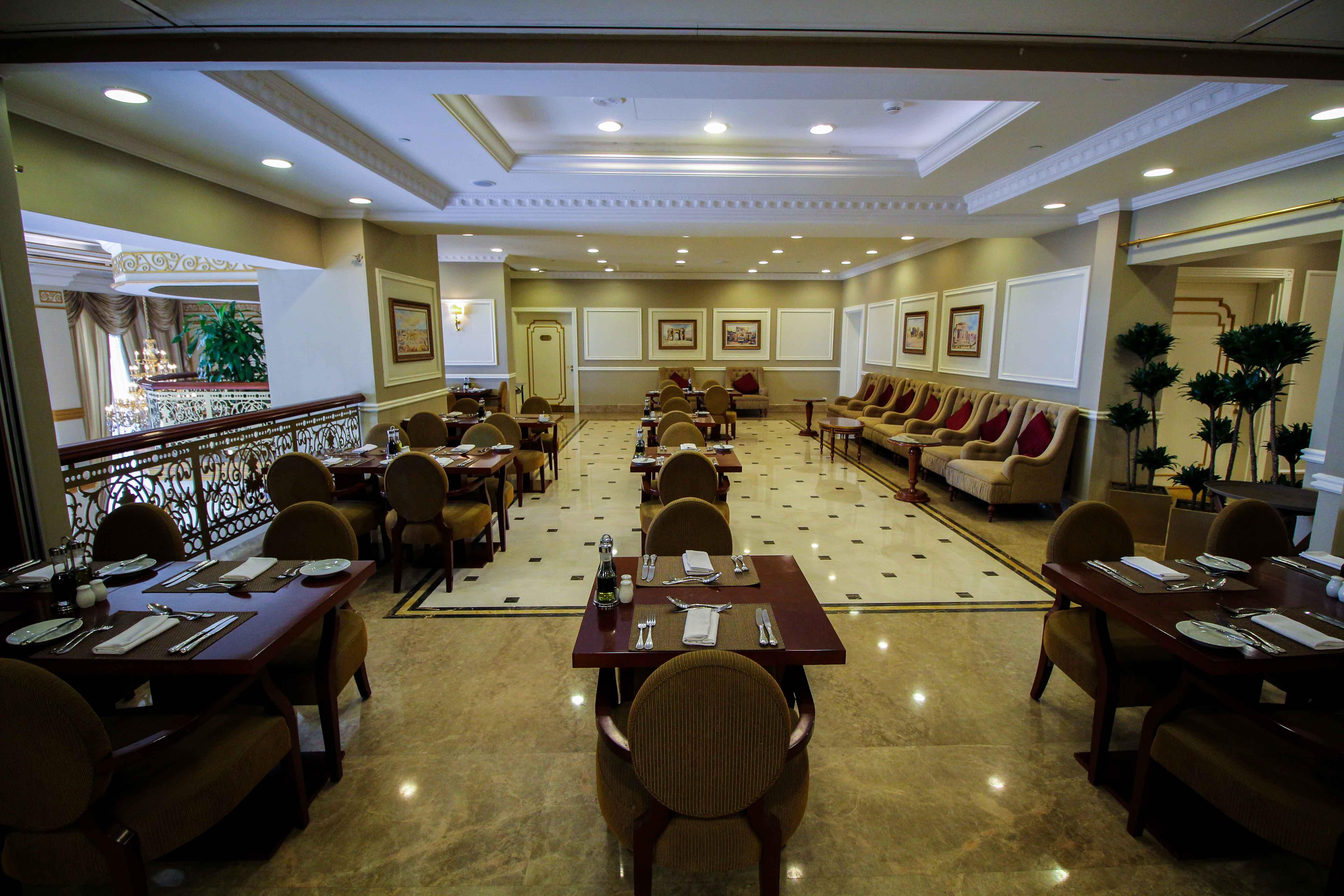 Warwick Hotel Doha Dinner Raum Luxushotel 5 Sterne Hotel Qatar Reiseblog