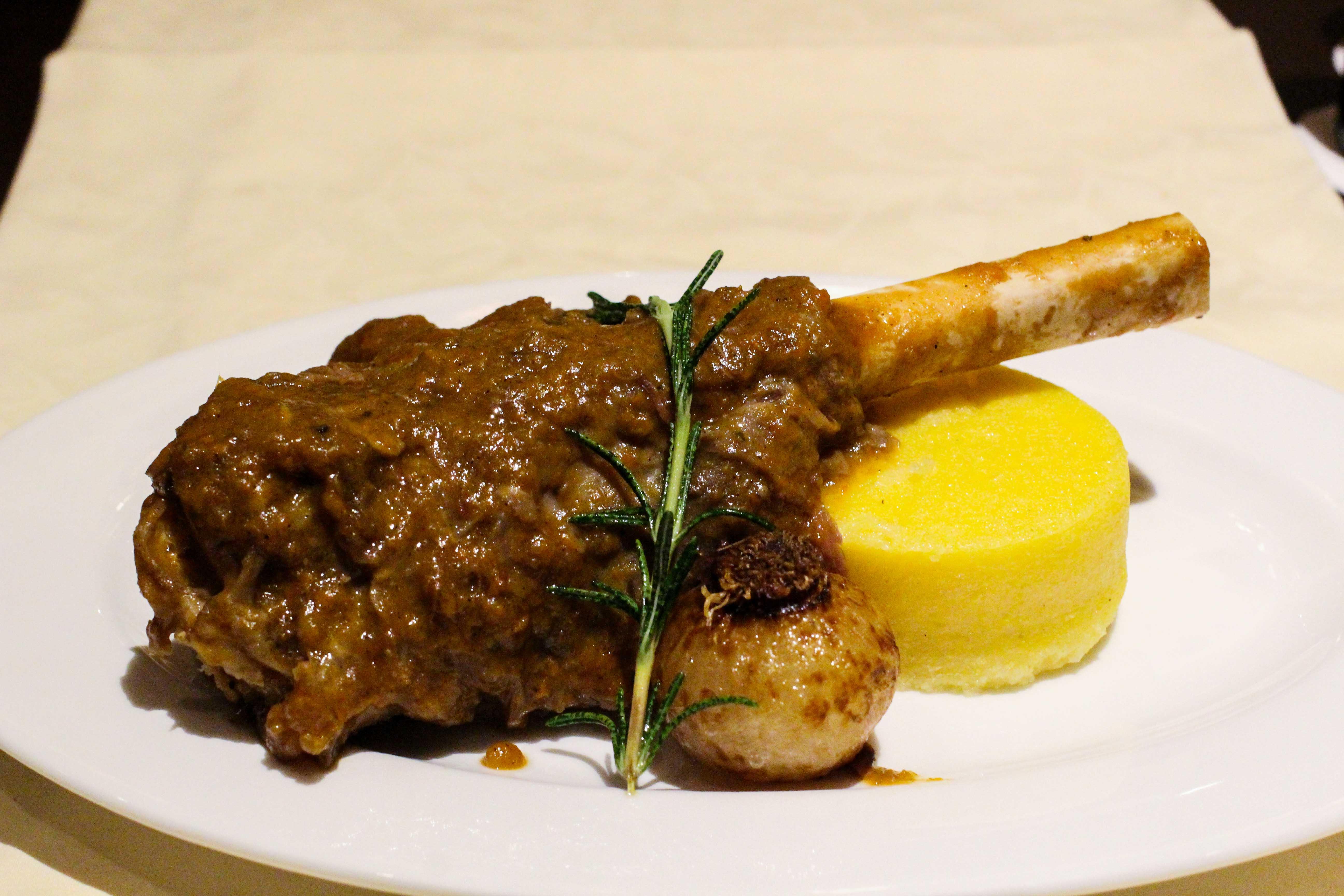 Warwick Hotel Doha Restaurant italienisch Lammkeule Luxushotel 5 Sterne Hotel Qatar Reiseblog