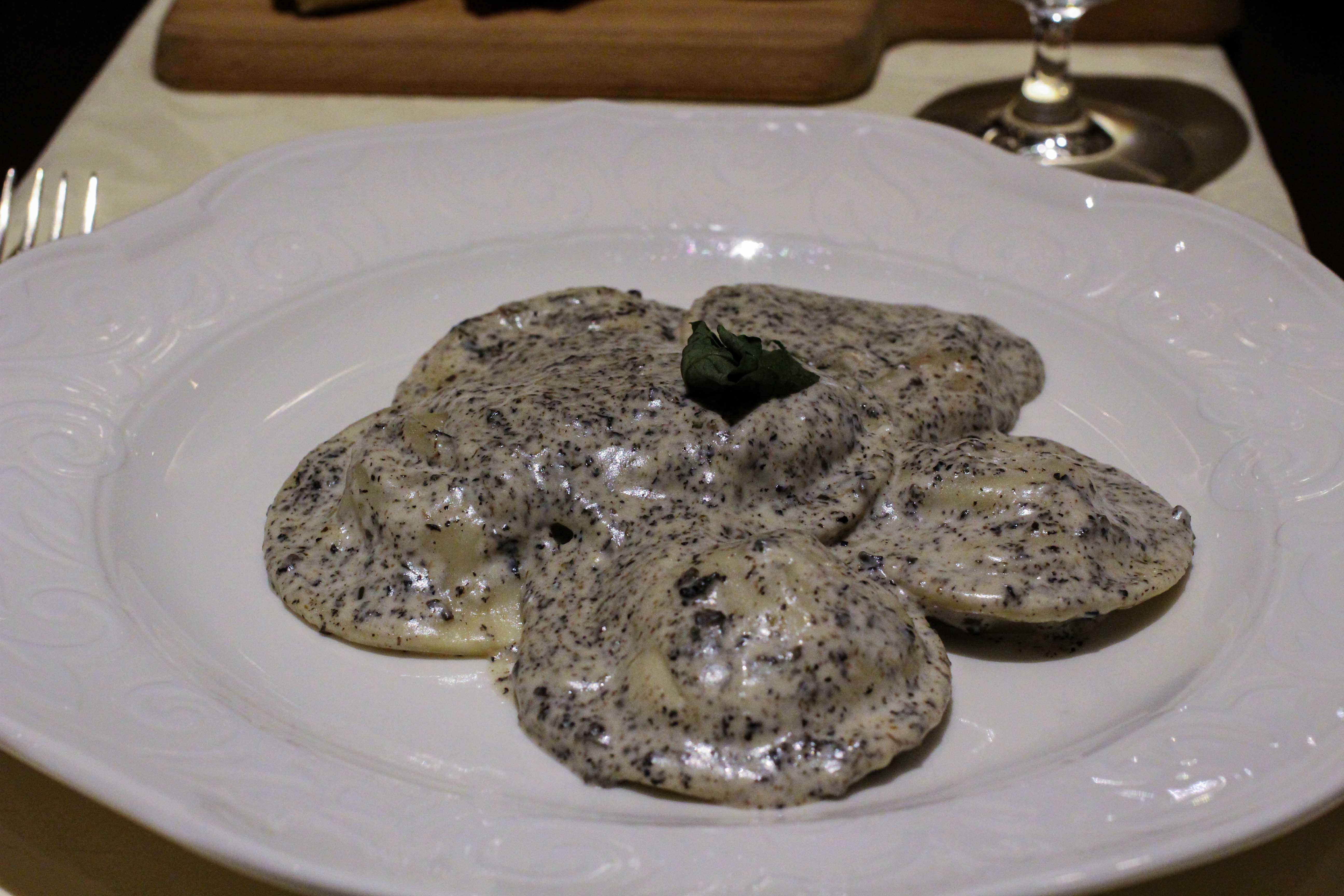 Warwick Hotel Doha Restaurant italienisch Ravioli Luxushotel 5 Sterne Hotel Qatar Reiseblog