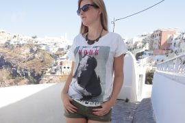 Casual Streetstyle used look hotpants Print Shirt Outfit Santorini Griechenland Fashionblog