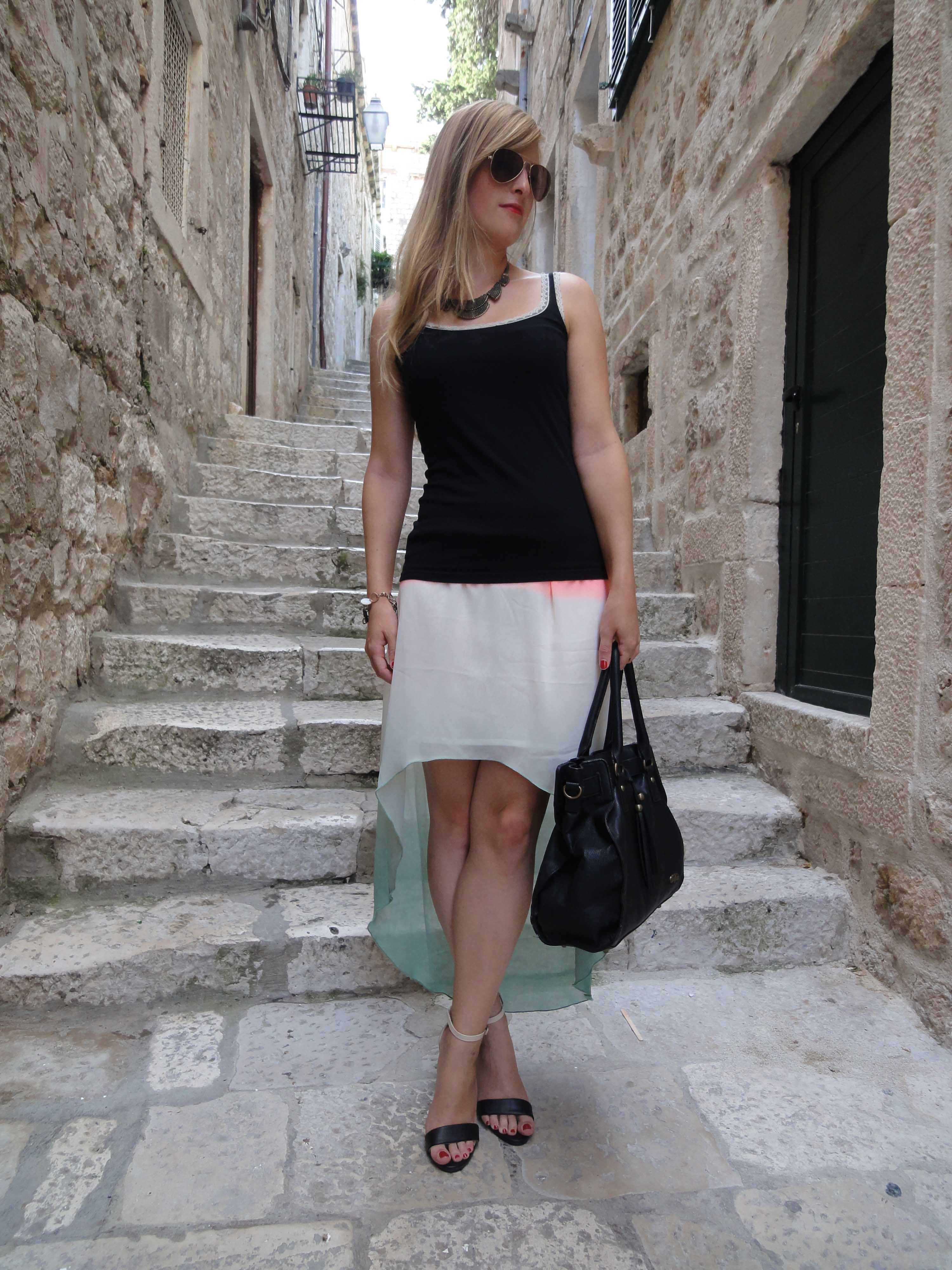 Mullet Skirt Vokuhila Rock kombinieren Sommeroutfit Fashion Look Dubrovnik Pilotensonnenbrille Modeblog