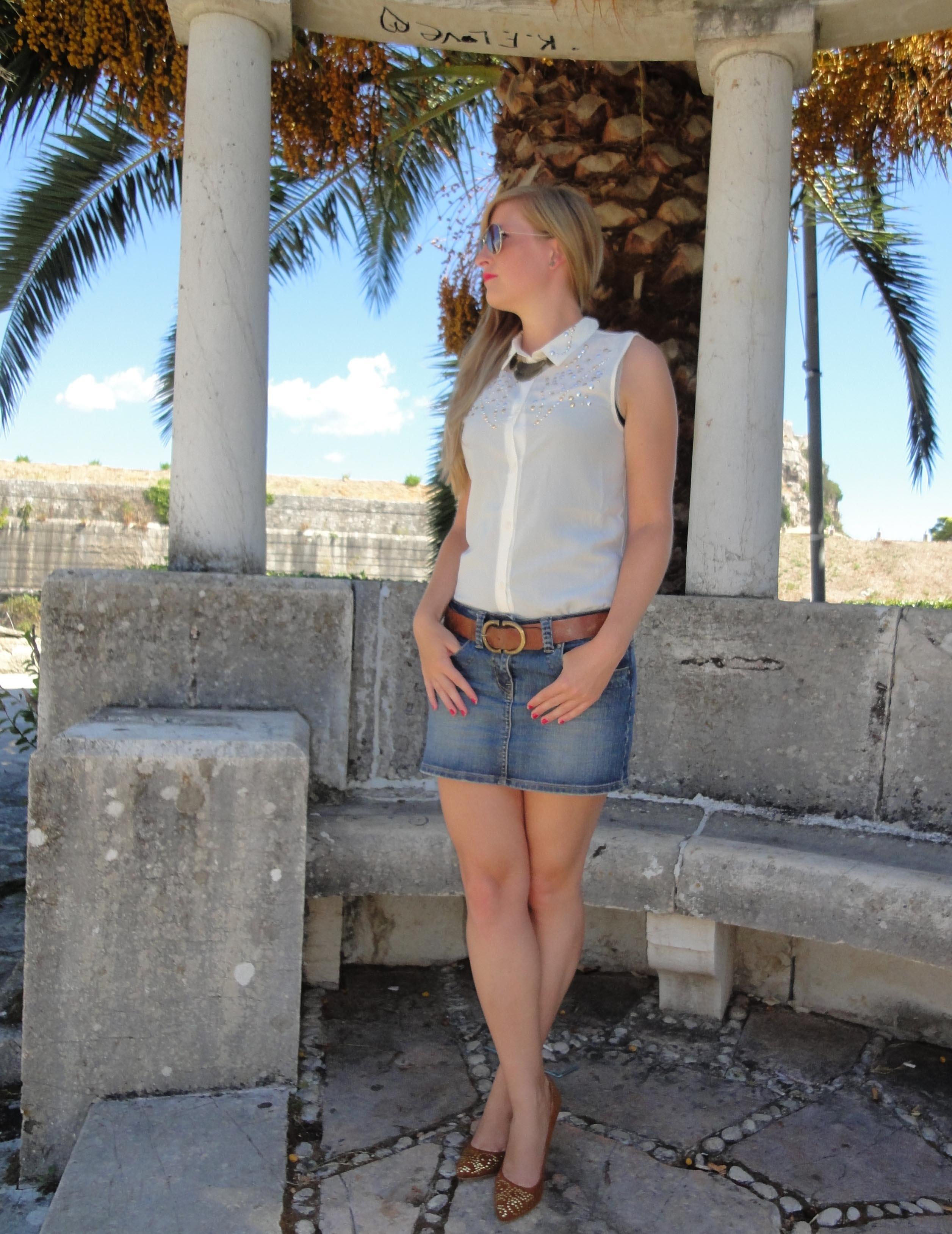 Oldie but Goldie denim skirt Jeansrock kombinieren Bluse Corfu Sommeroutfit Fashionblog Deutschland