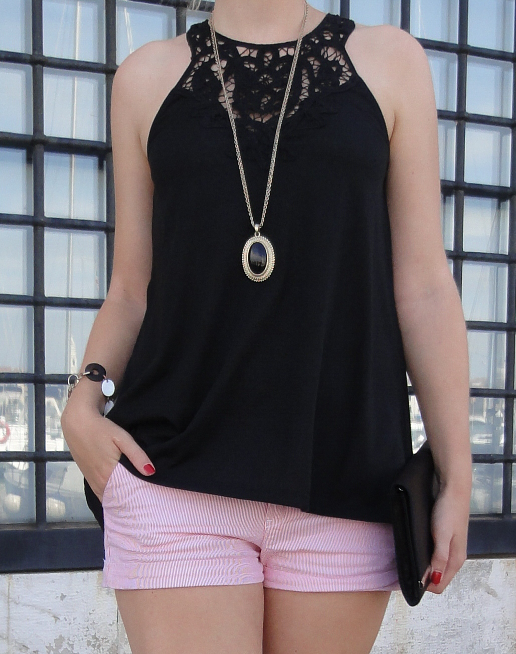 Venice seaside Venedig Sightseeing Outfit Sommeroutfit gestreifte Hotpants kombinieren Highheels Modeblog Italien 3