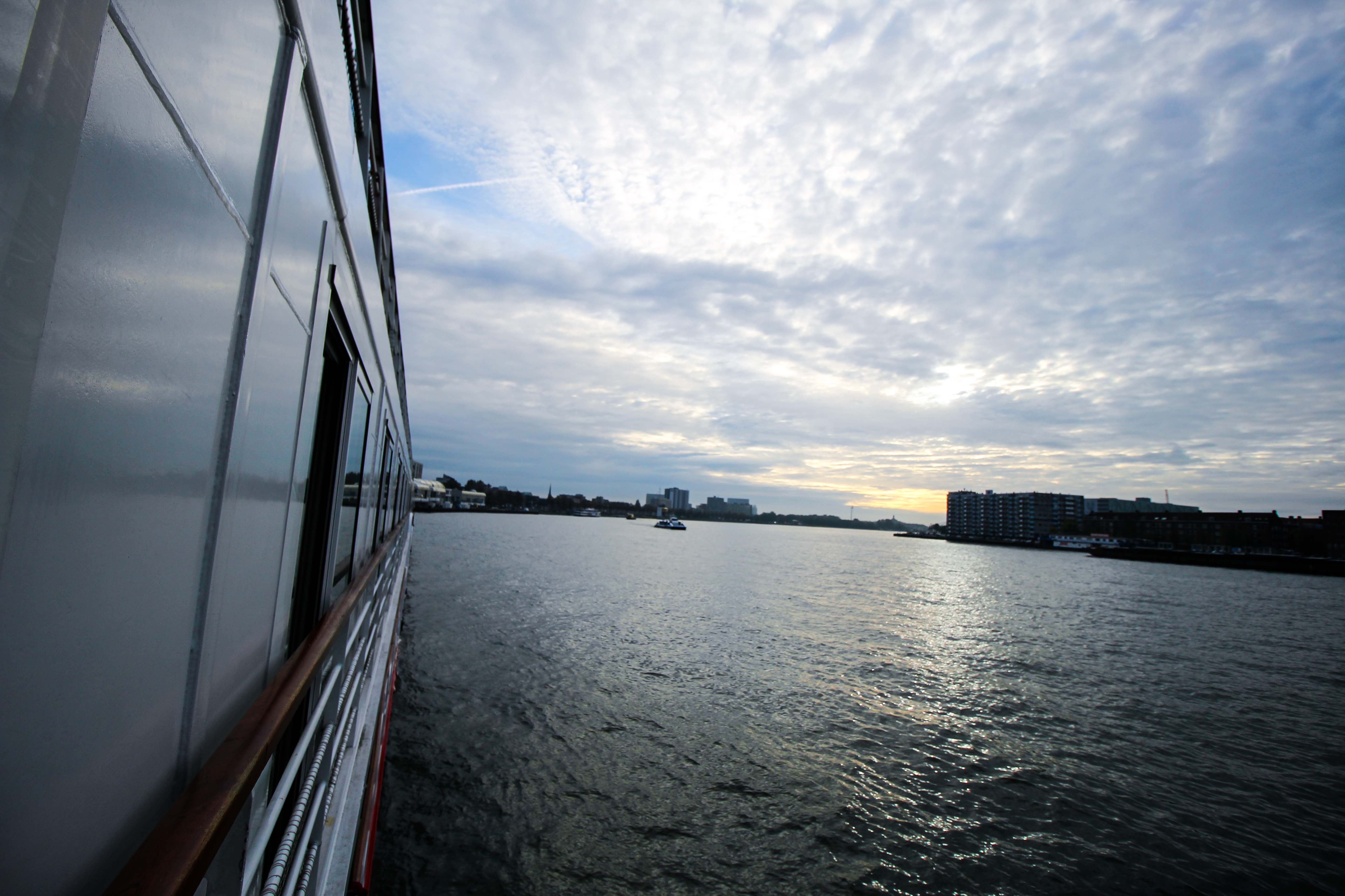 Flusskreuzfahrt A-ROSA SILVA Kreuzfahrtschiff Rhein Erlebnis Kurs Amsterdam Erfahrung Flusskreuzfahrt Reiseblog Fluss