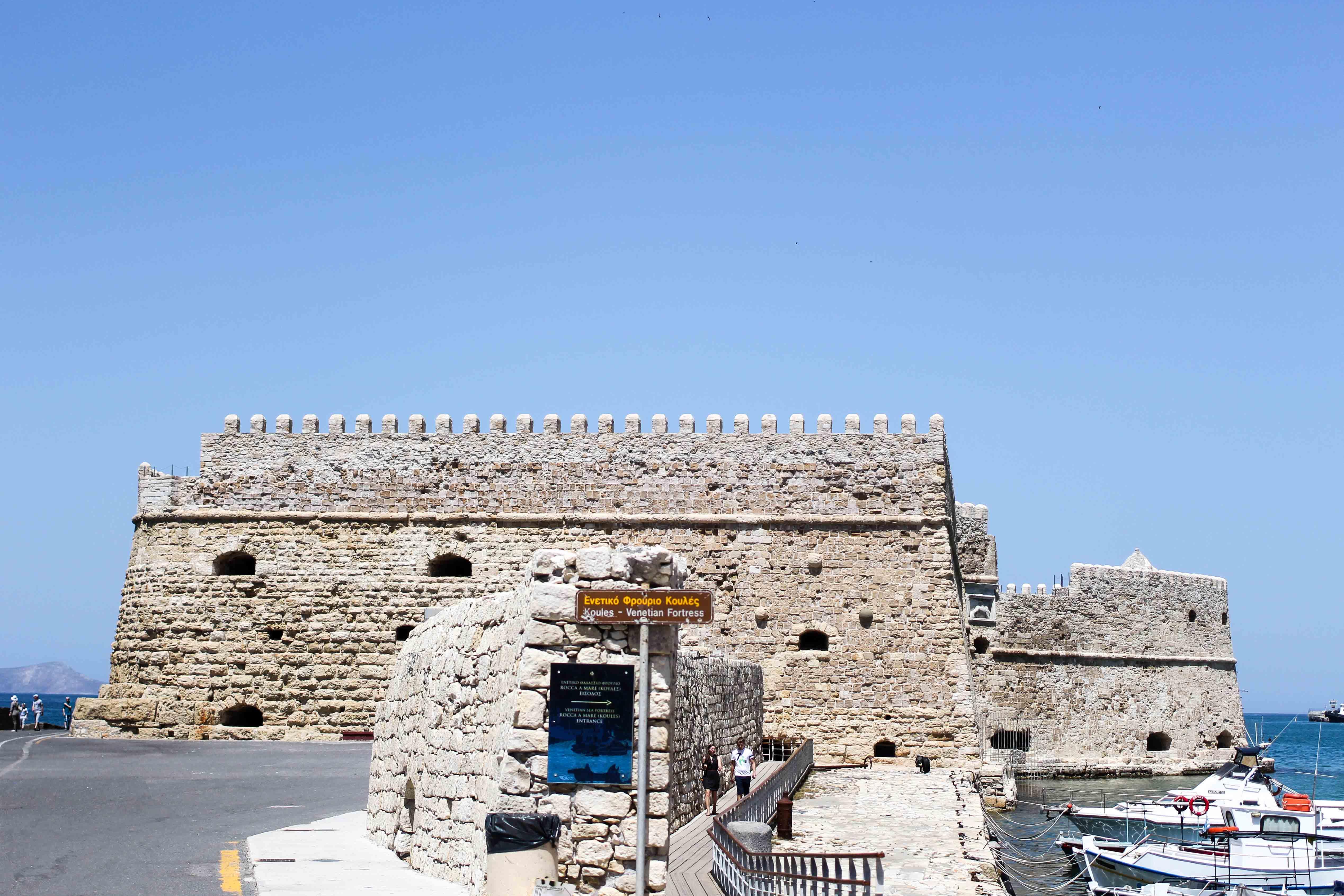 Top Kreta Sightseeing Kreta Sehenswürdigkeiten für einen Tagesausflug Heraklion Reiseblog venezianischer Hafen Festung