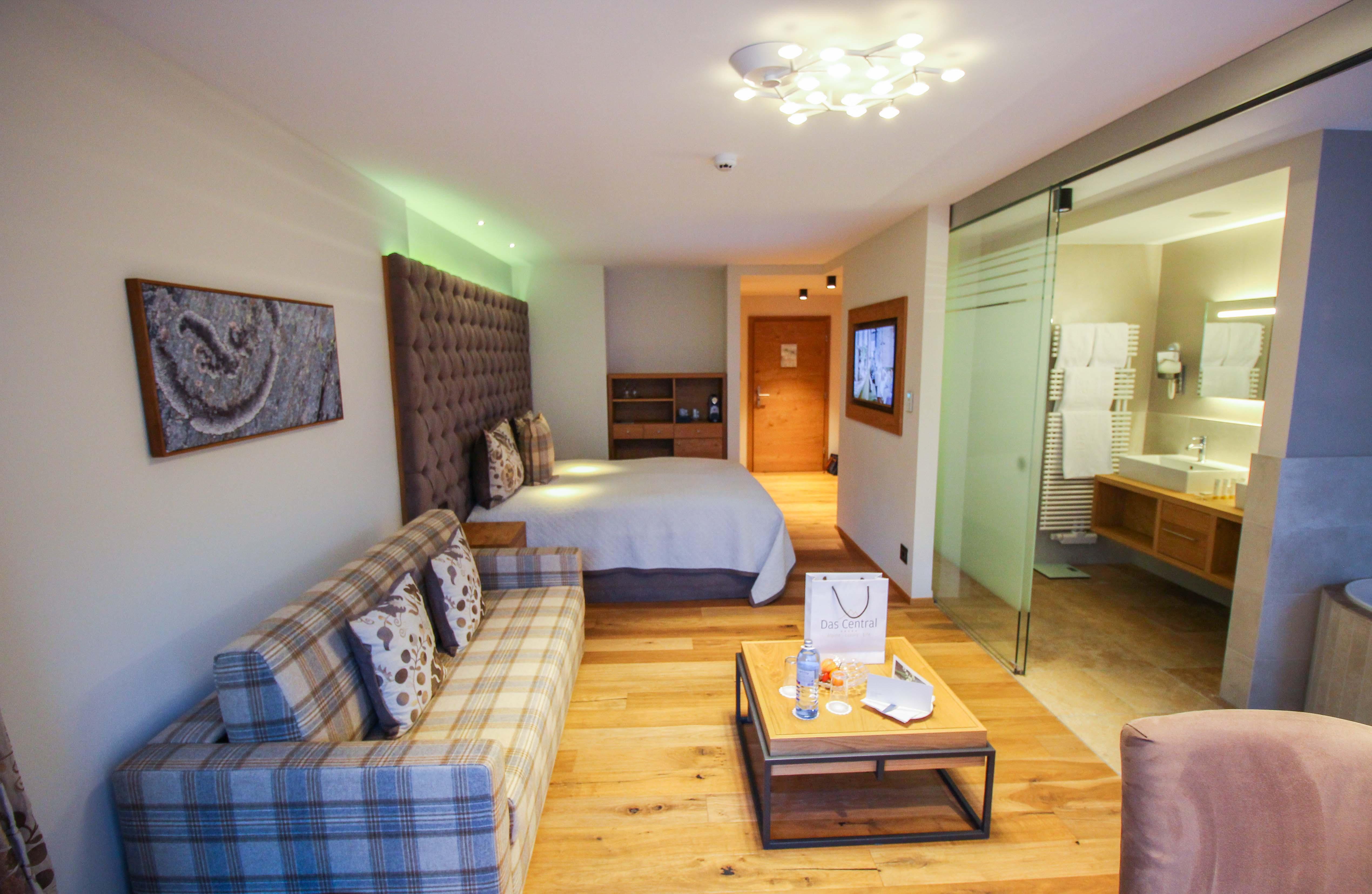 Das Central Sölden 5-Sterne Wellnesshotel Luxushotel Sölden Tirol Österreich Doppelzimmer Reiseblog