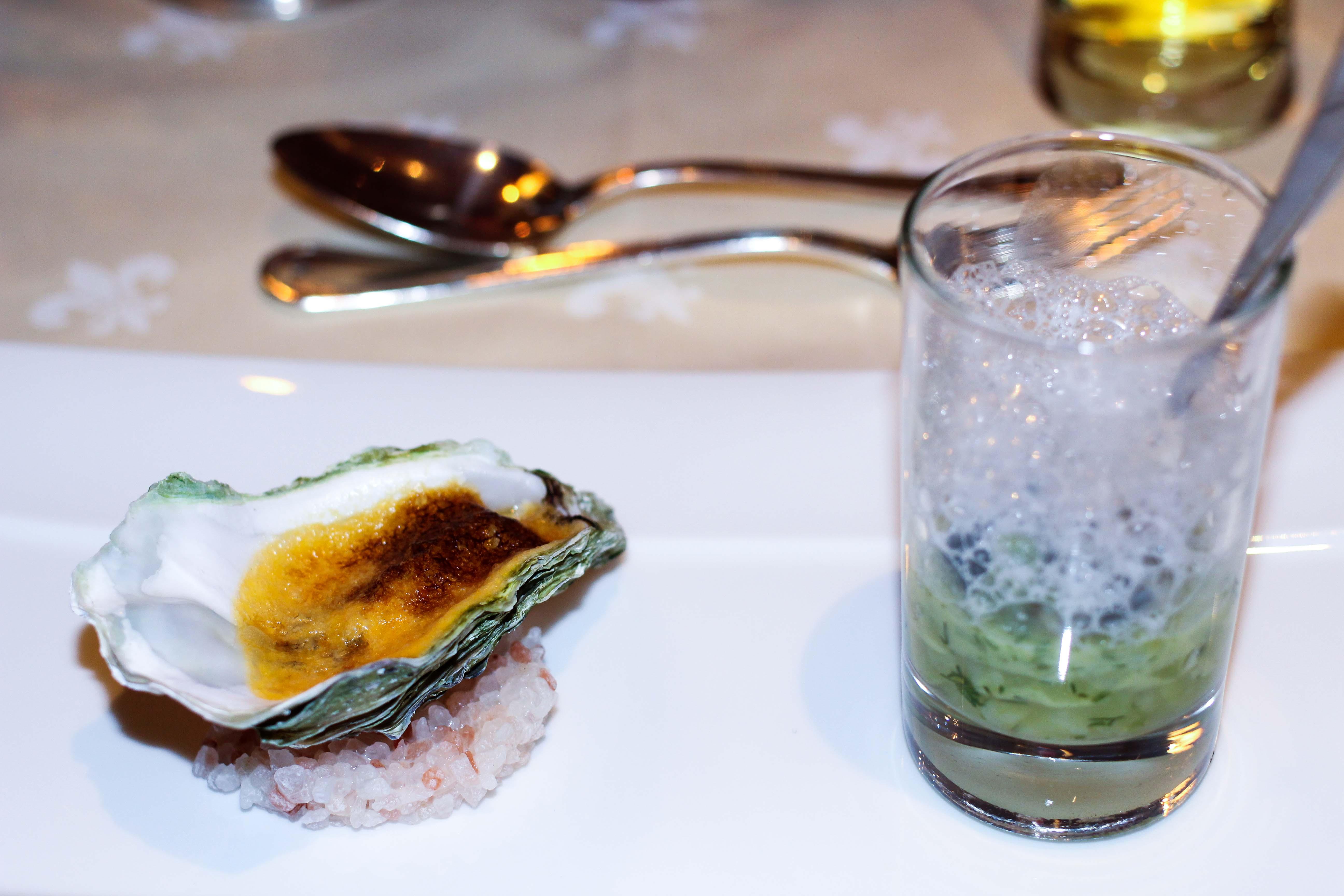 Gourmethotel Sölden 5 Gänge Dinner Auster Vorspeise Das Central Sölden Luxushotel Sölden Tirol Österreich Winterurlaub Reiseblog