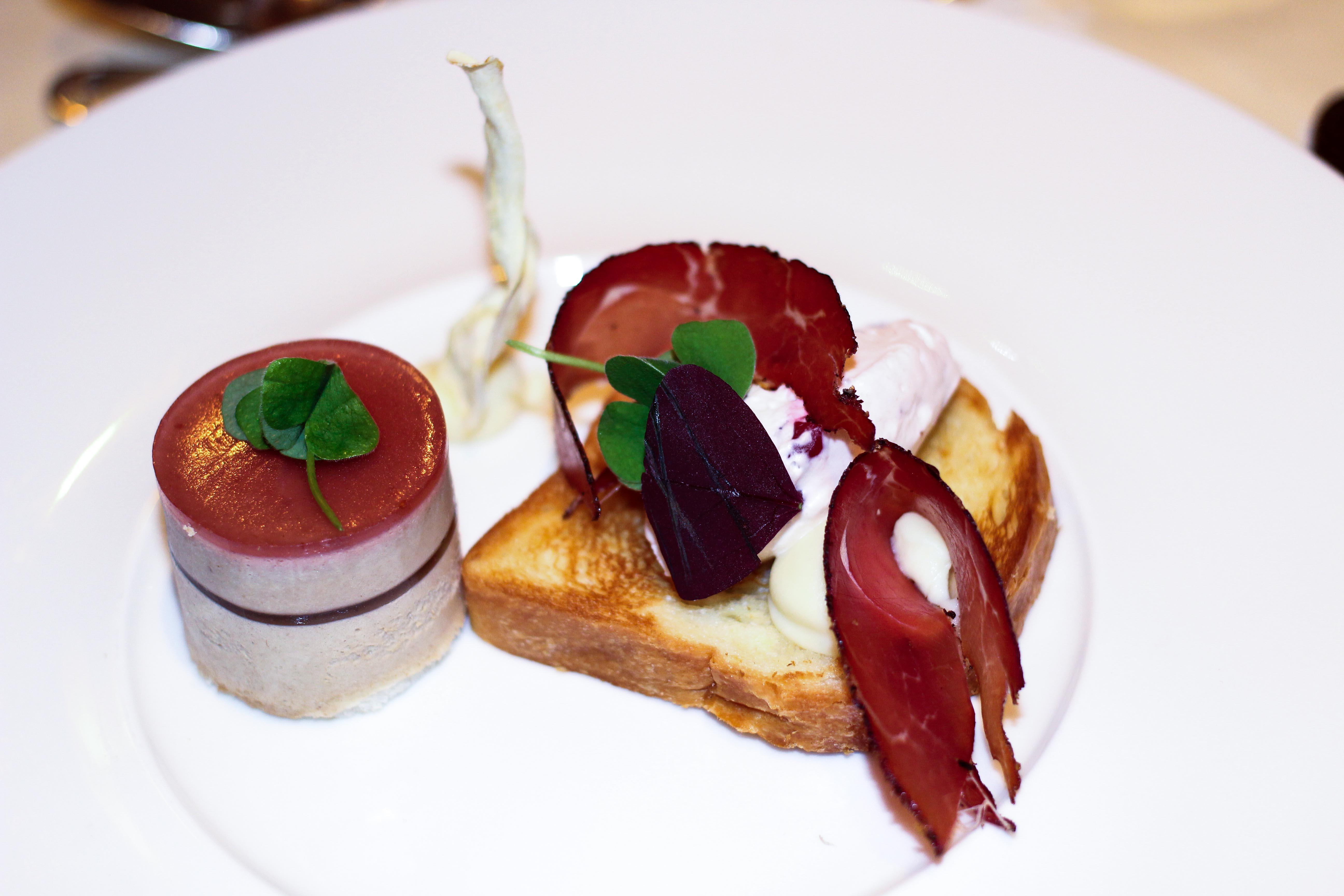 Gourmethotel Sölden 5 Gänge Dinner Rind Schinken Vorspeise Das Central Sölden Luxushotel Sölden Tirol Österreich Winterurlaub Reiseblog