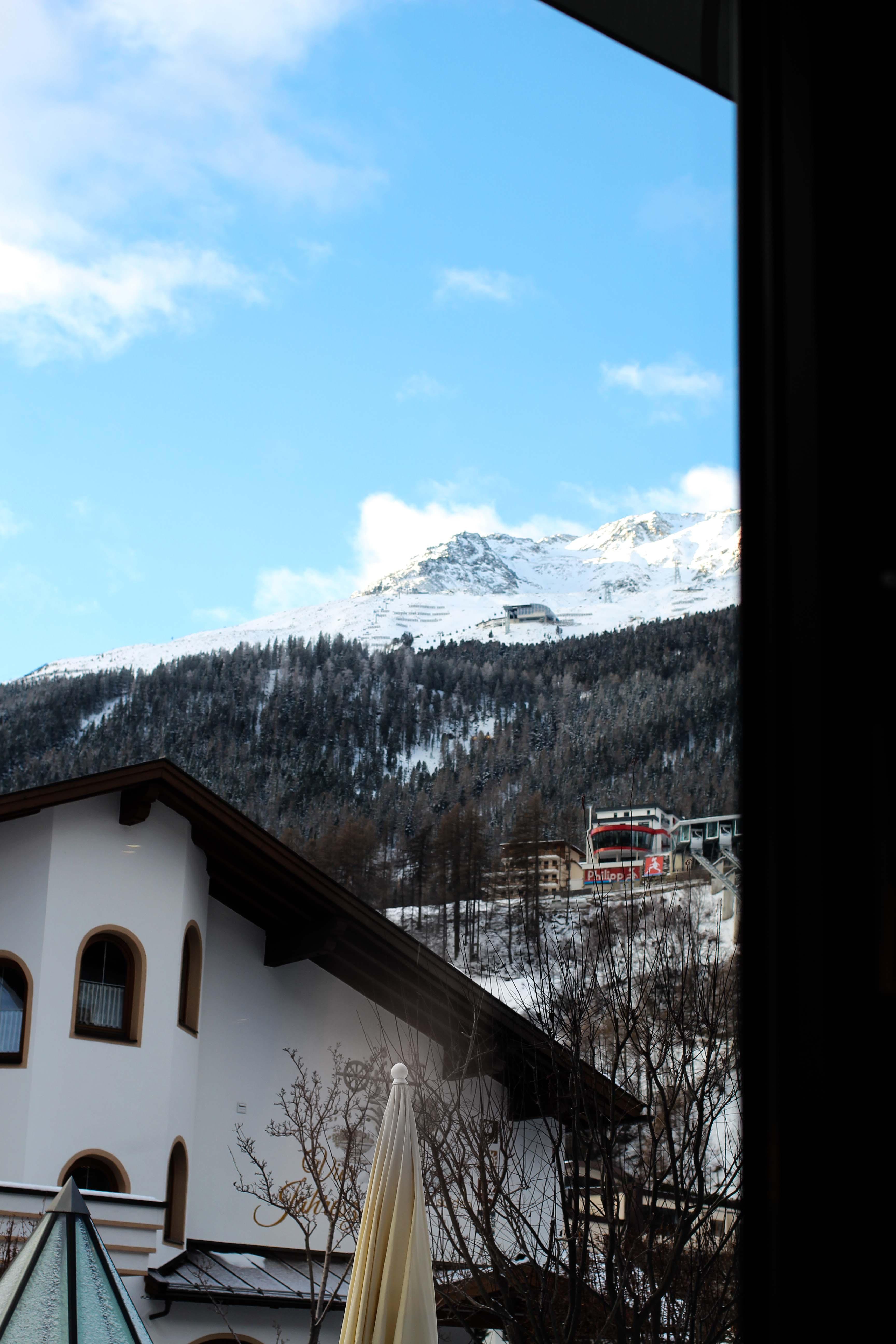 Gourmethotel Sölden modernes Restaurant Feinspitz Aussicht Das Central Sölden Luxushotel Sölden Tirol Österreich Winterurlaub Reiseblog
