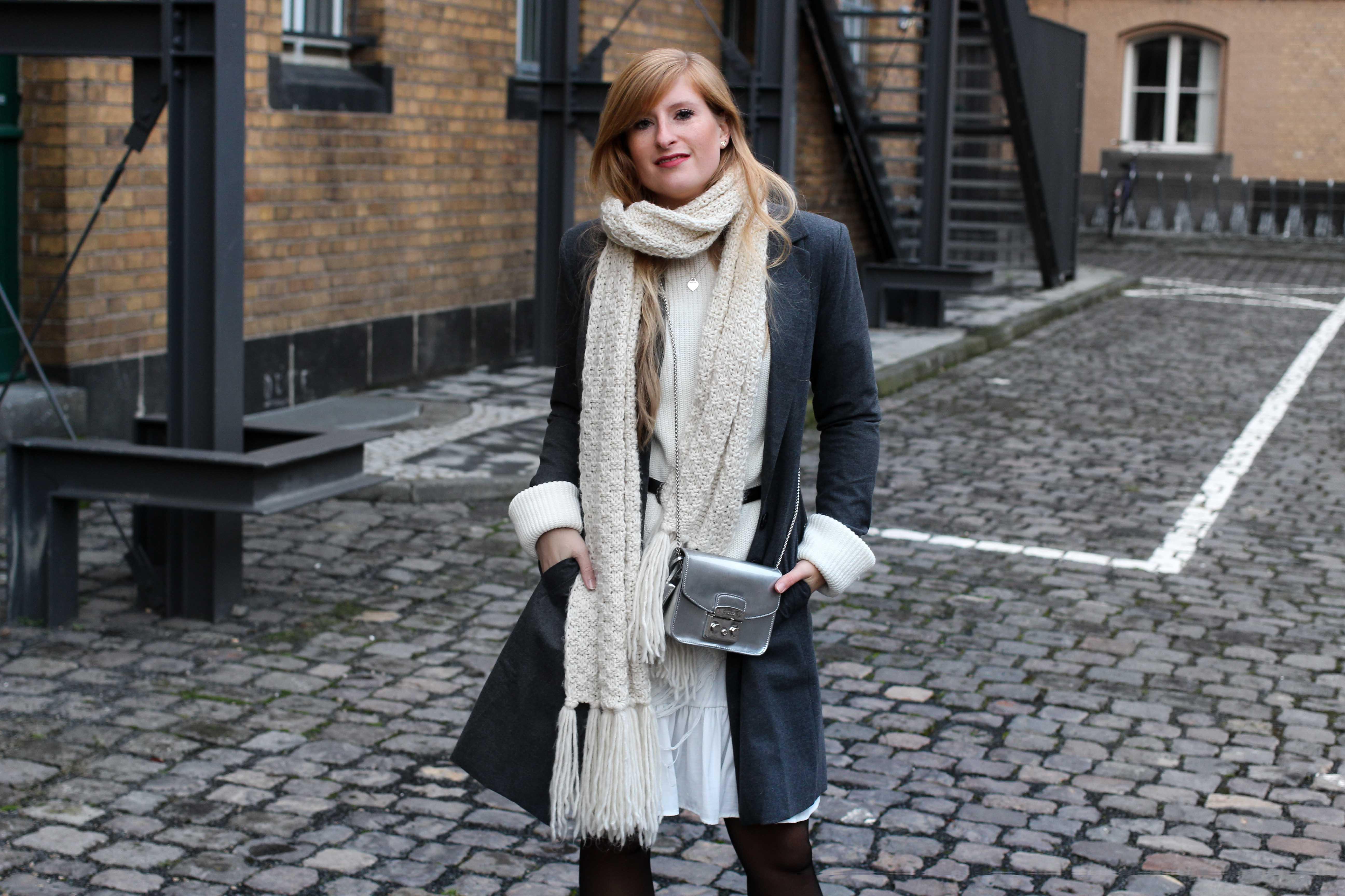Winter-Layering weißes Kleid, Ripped Pullover Asos schwarze Strumpfhose Hunkemöller kombinieren Outfit Modeblog bonn 7