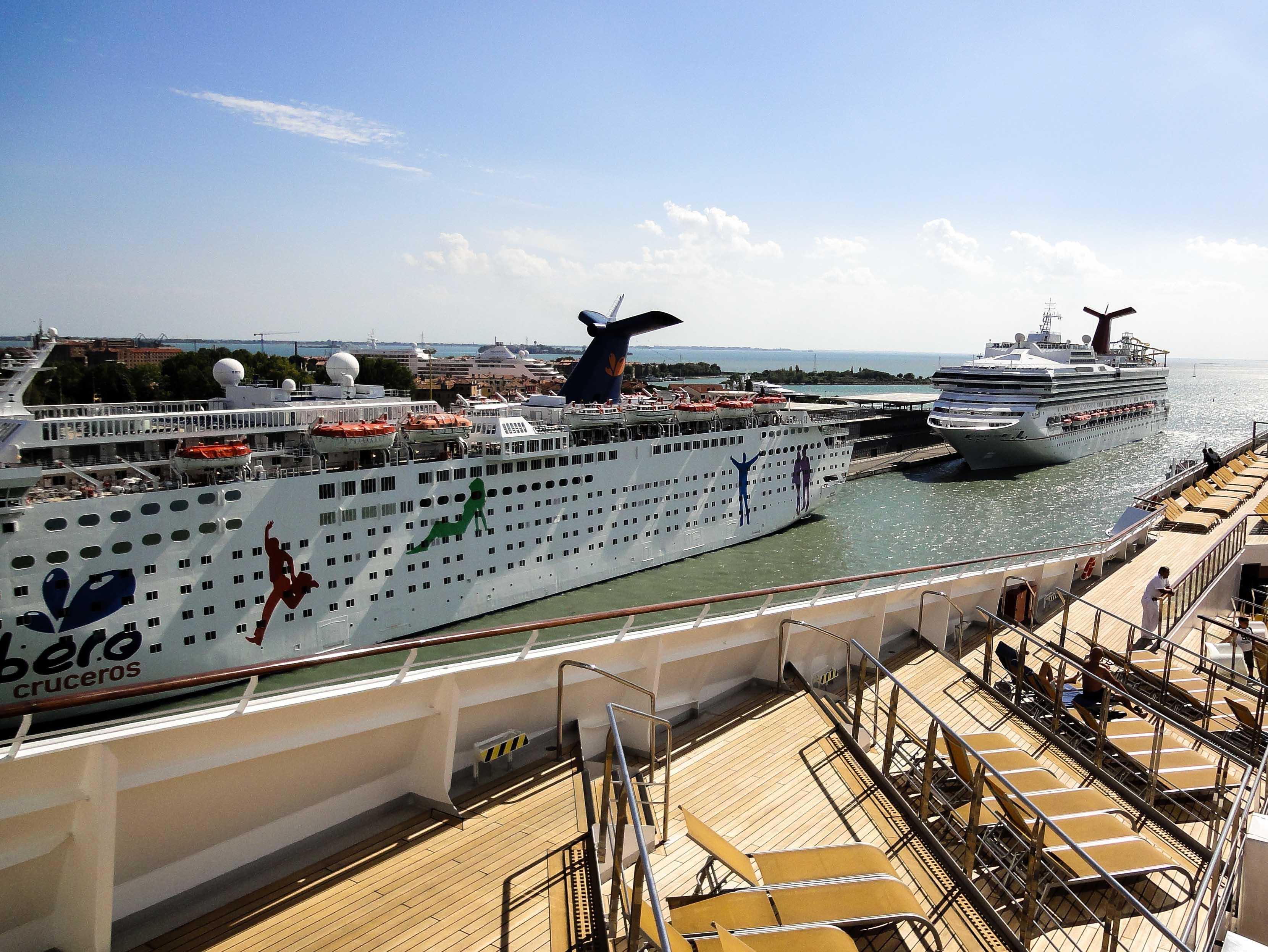 wichtigsten Kreuzfahrten Tipps Anfänger Reisegepäck Tipps gegen Seekrankheit Übelkeit auf See Alle Tipps problemlose Kreuzfahrt Sonnendeck
