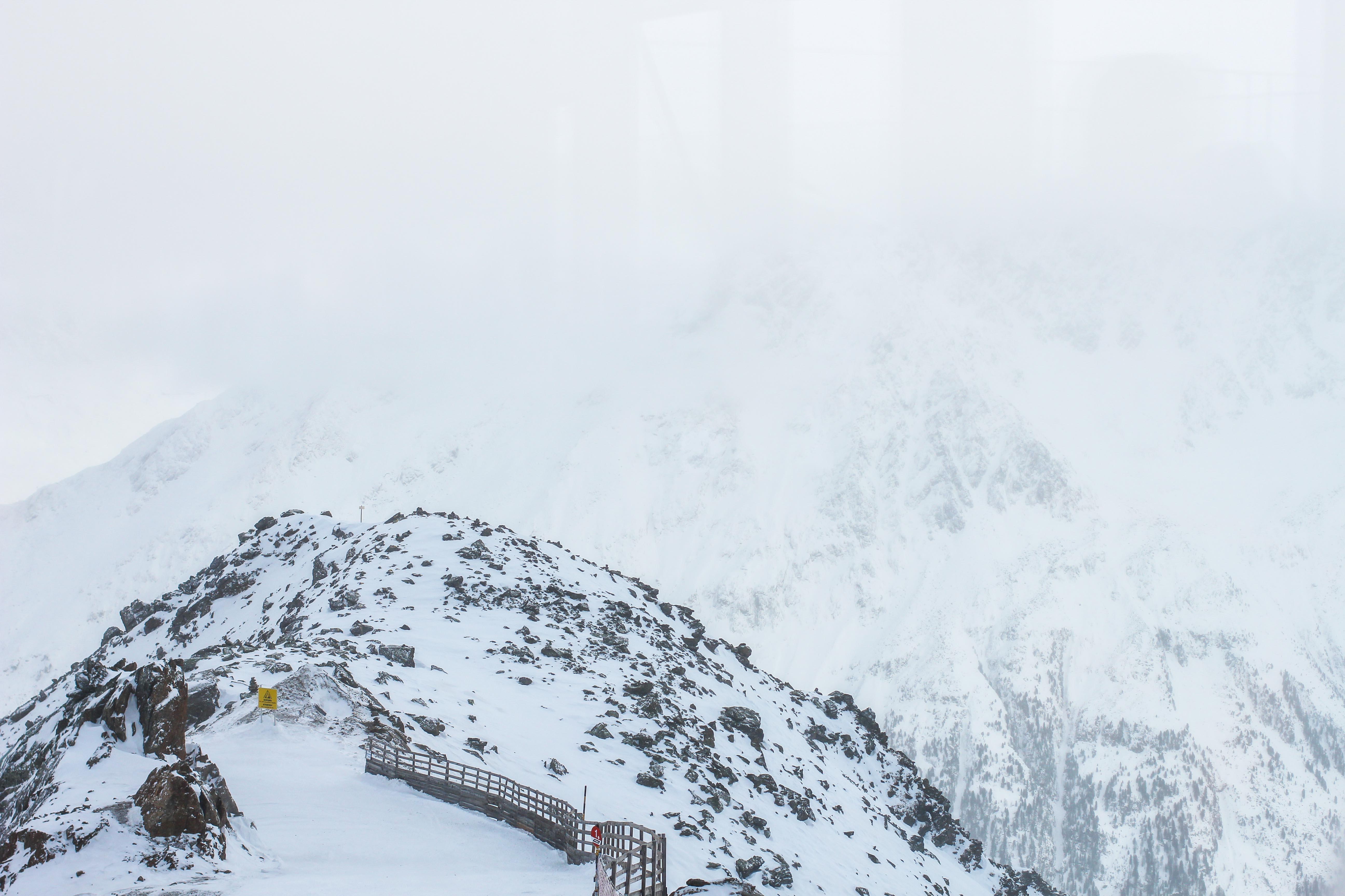 Gipfelaussicht Berge Schnee iceQ Sölden Tirol Österreich James Bond Location Spectre 3000m Gaislachkogl Reiseblog