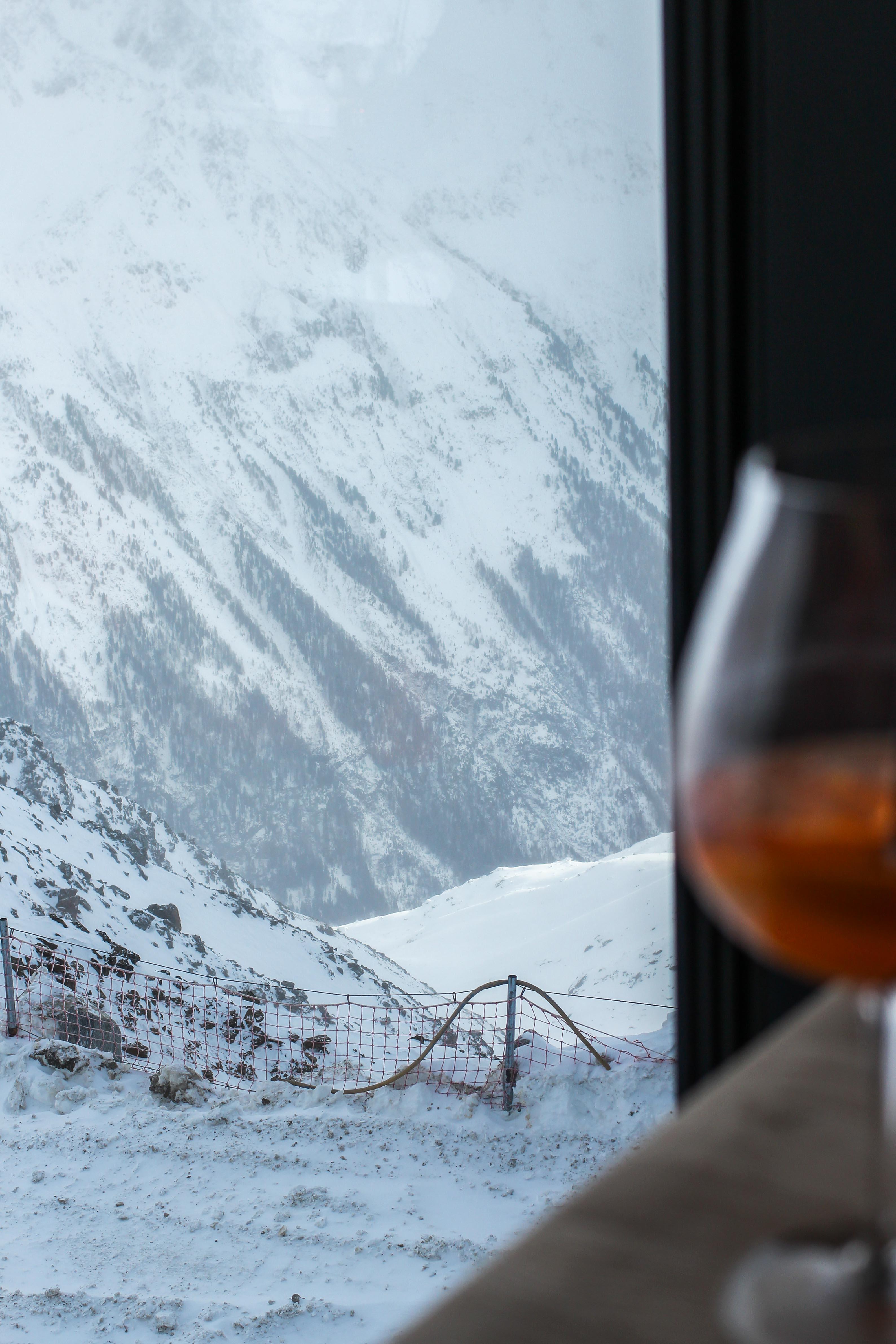 Gourmet-Restaurant Gipfelaussicht Berge Schnee iceQ Sölden Tirol Österreich James Bond Location Spectre 3000m Gaislachkogl Reiseblog