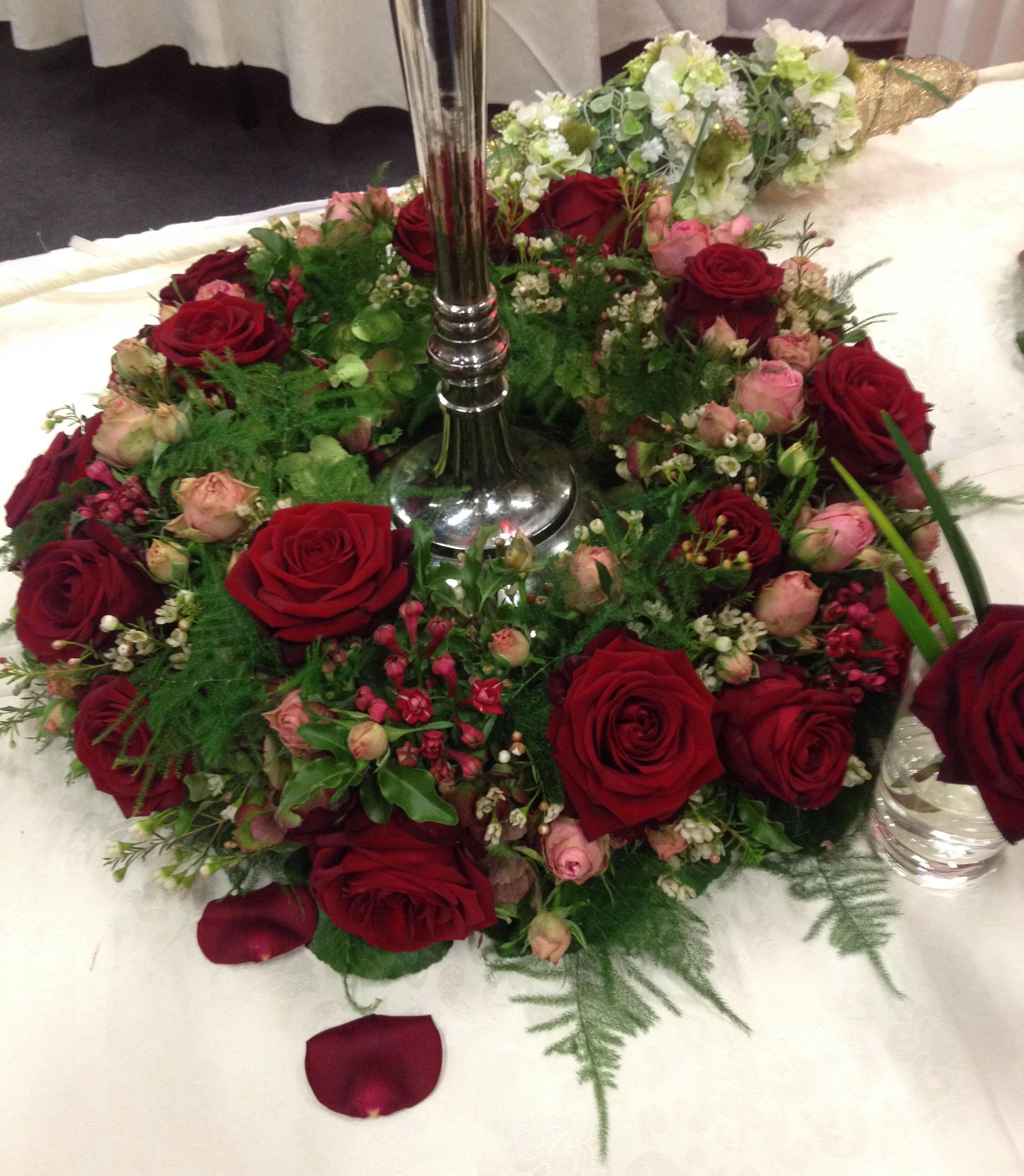 Hochzeitsmesse Impressionen Hochzeit heiraten Brautkleid Blumenstrauß blumenkranz rot rosen