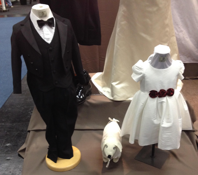 Wedding Dress Hochzeitsmesse Impressionen Hochzeit heiraten Brautkleid Blumenstrauß kinder kleidung