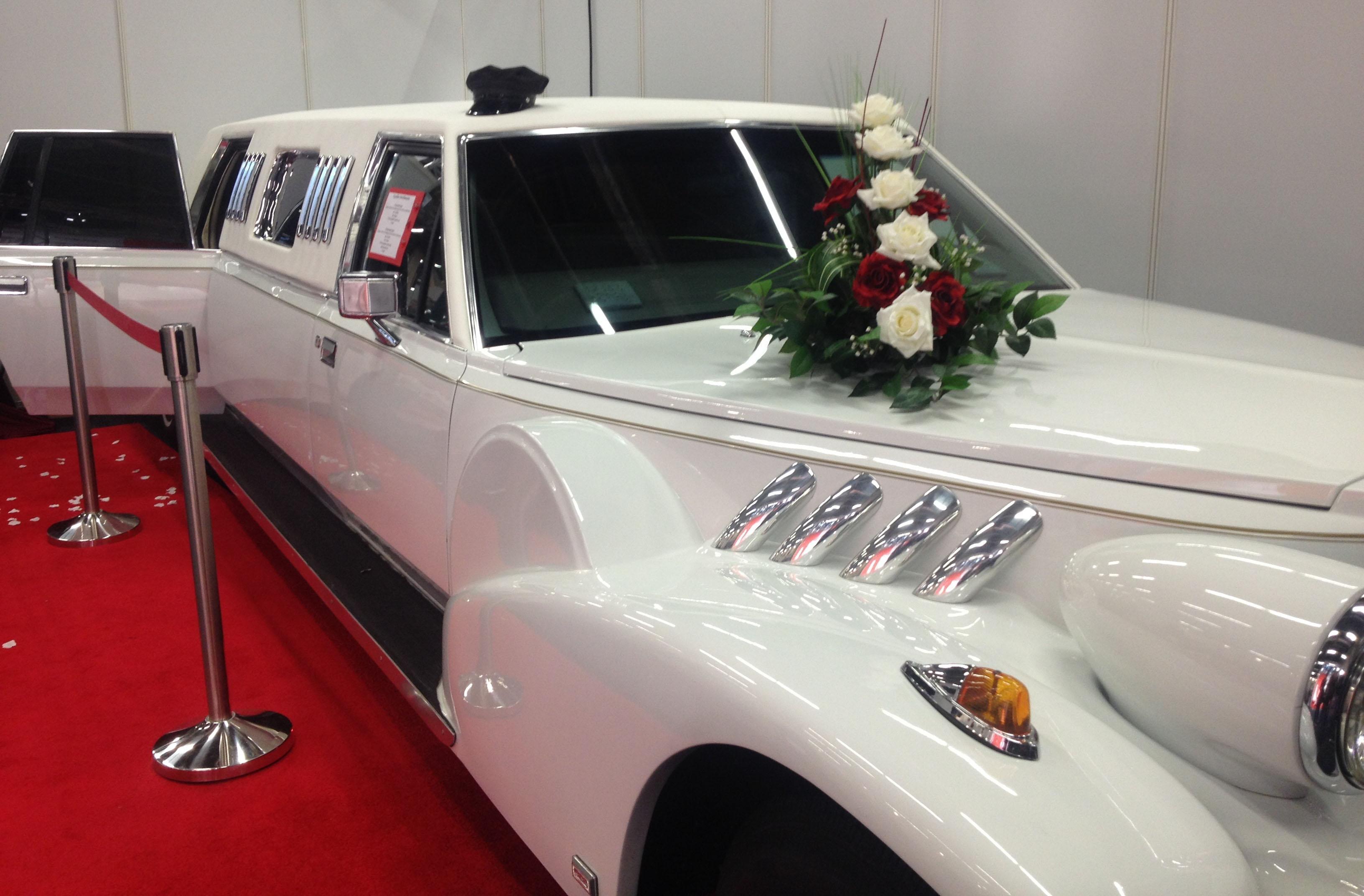 Wedding Dress Hochzeitsmesse Impressionen Hochzeit heiraten weiße Limousine Oldtimer2