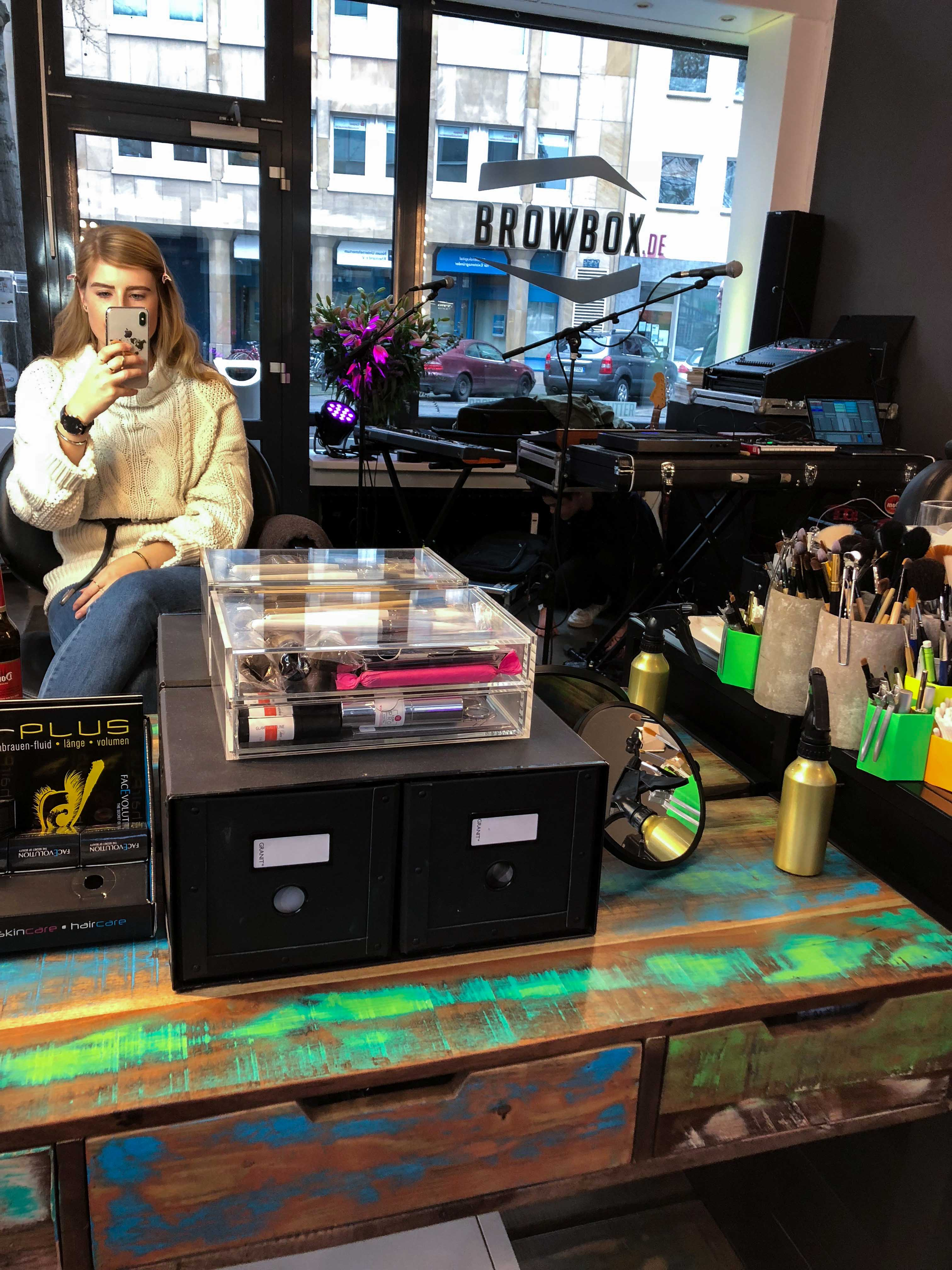 Pretty Beatz-Event Köln Modeblog Latebird Brow Waxing Augenbrauen färben Browbox Köln