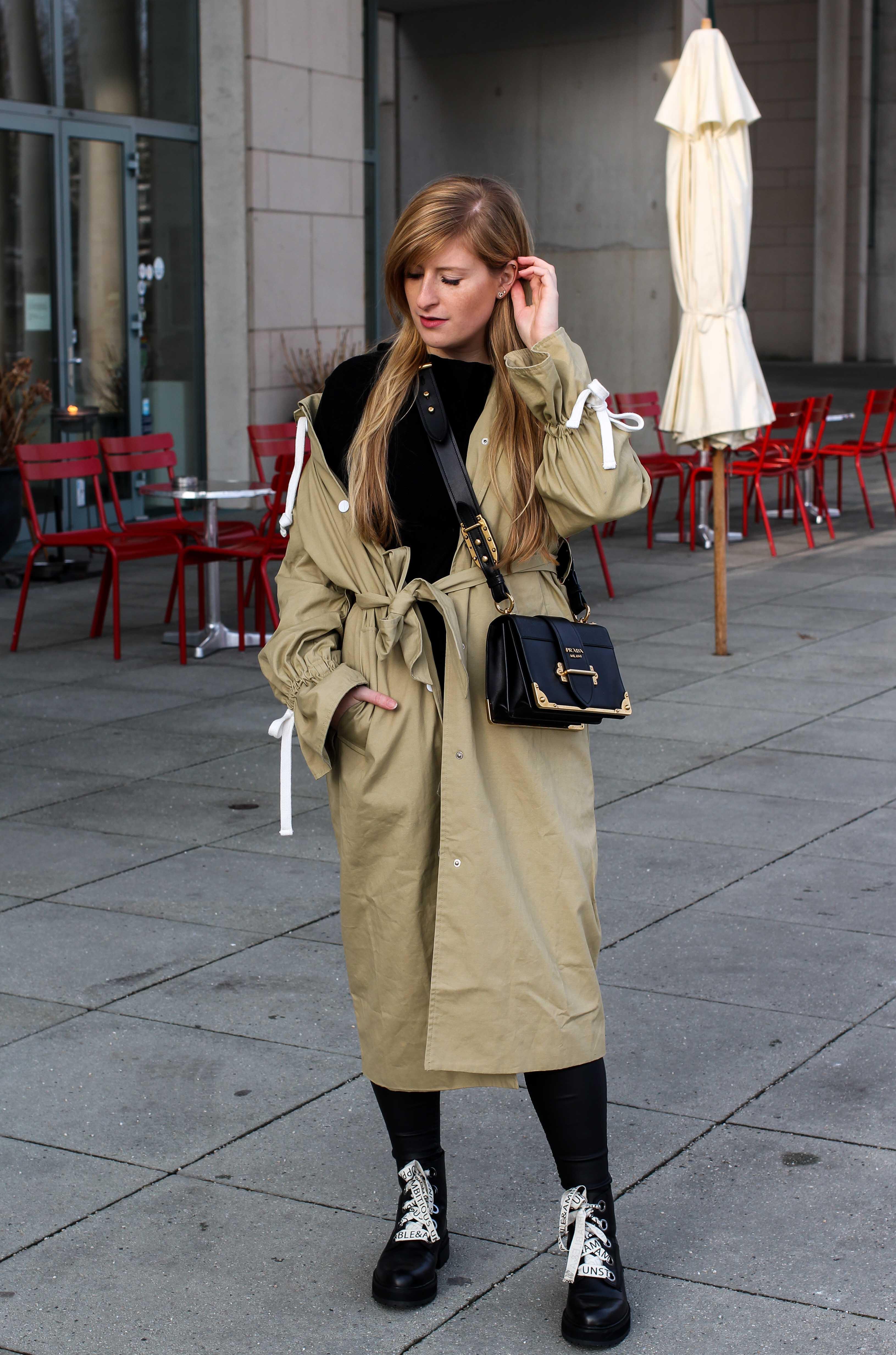 Trenchcoat Edited Marisa Prada Cahier bag Schnürboots Zara Modeblog Bonn Trenchcoat kombinieren Streetstyle 1