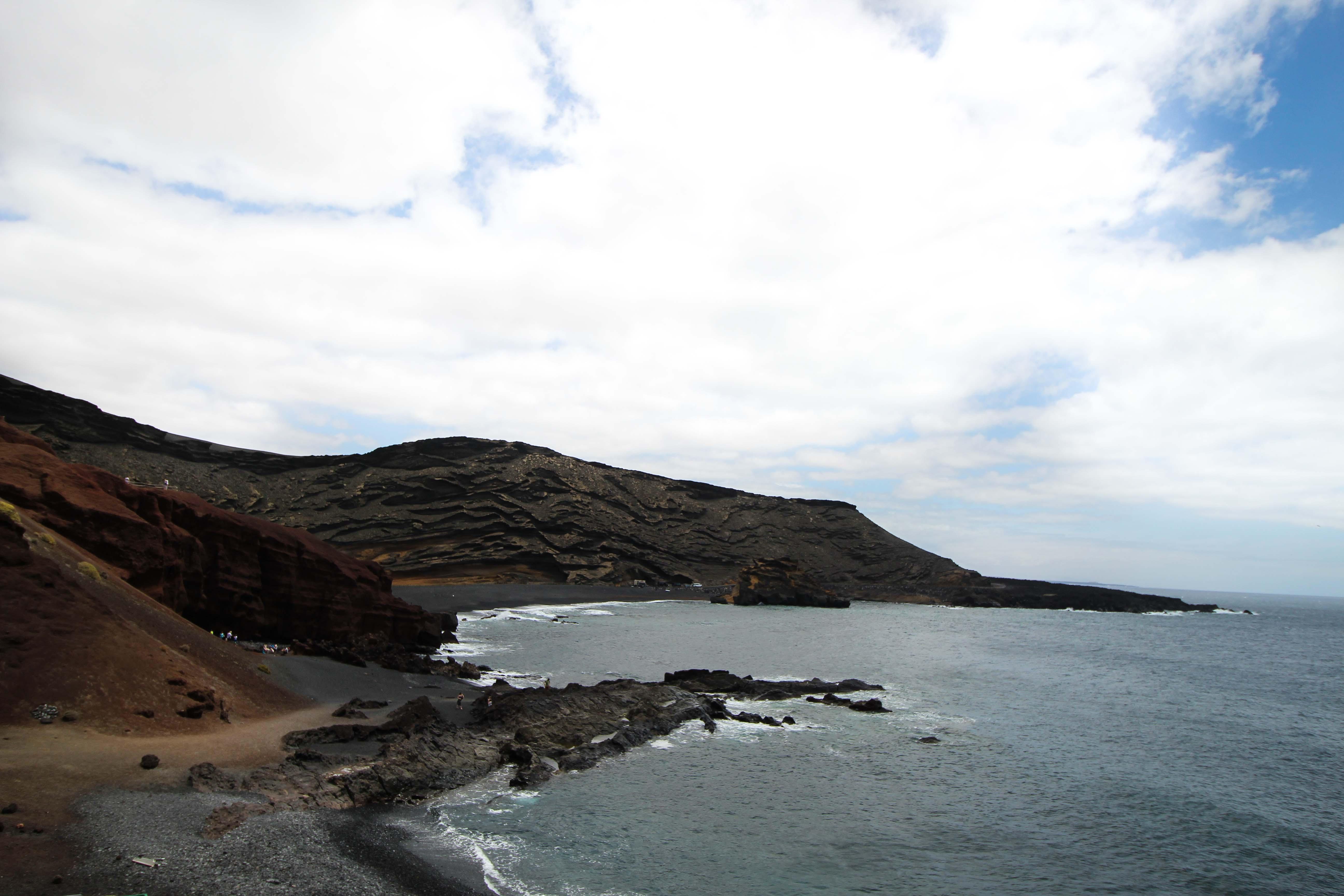 El Golfo Vulkan schwarzer Strand Klippen Top 10 Tipps Lanzarote Sehenswürdigkeiten Insider Tipps Lanzarote Spanien