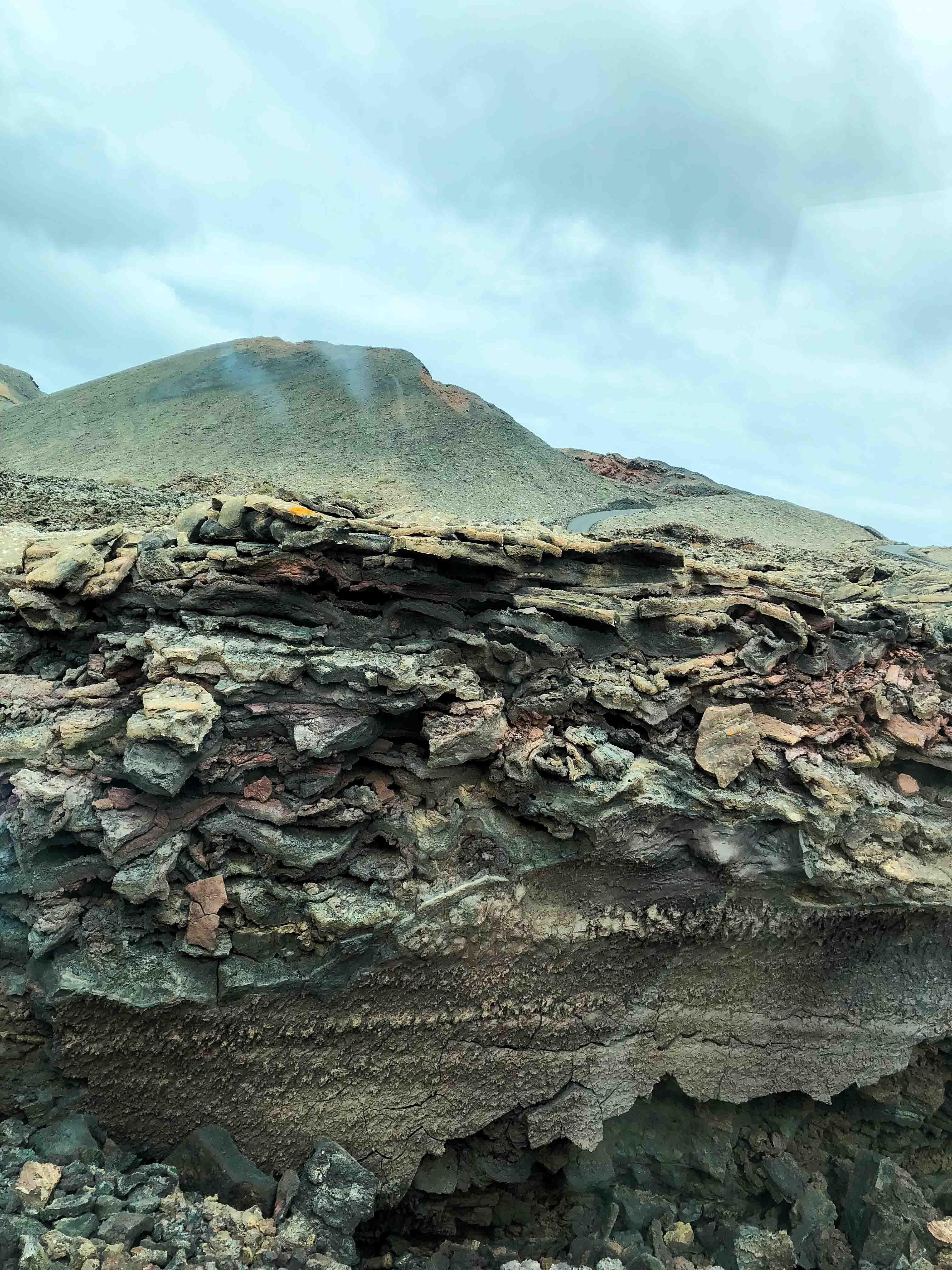 Timanfaya National Park Vulkanlandschaft die Feuerberge Lava Asche Top 10 Tipps Lanzarote Sehenswürdigkeiten Insider Tipps Lanzarote Spanien 2