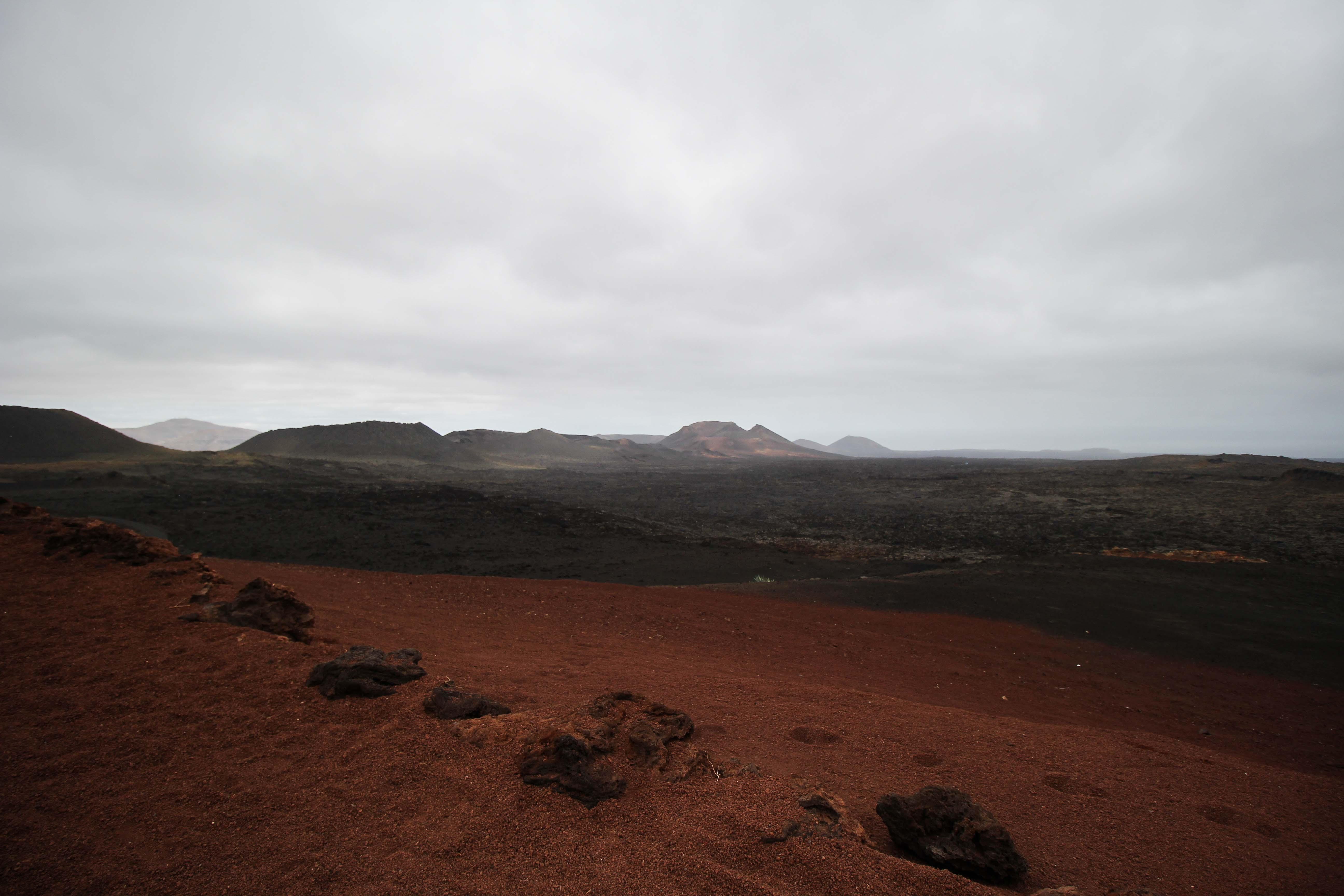 Timanfaya National Park Vulkanlandschaft die Feuerberge Lava Asche Top 10 Tipps Lanzarote Sehenswürdigkeiten Insider Tipps Lanzarote Spanien