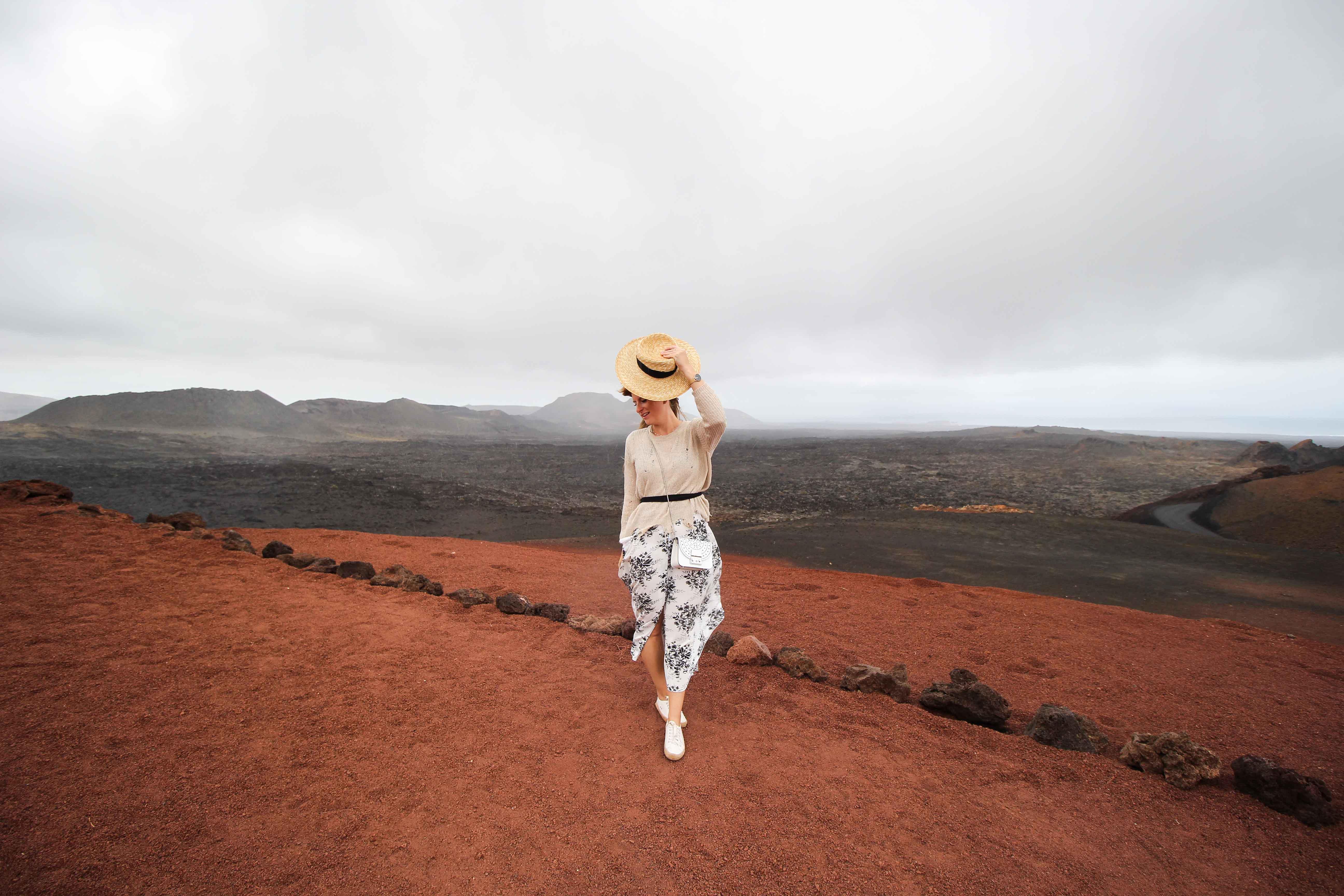 Timanfaya National Park Vulkanlandschaft die Feuerberge Lava Top 10 Tipps Lanzarote Sehenswürdigkeiten Insider Tipps Lanzarote Spanien