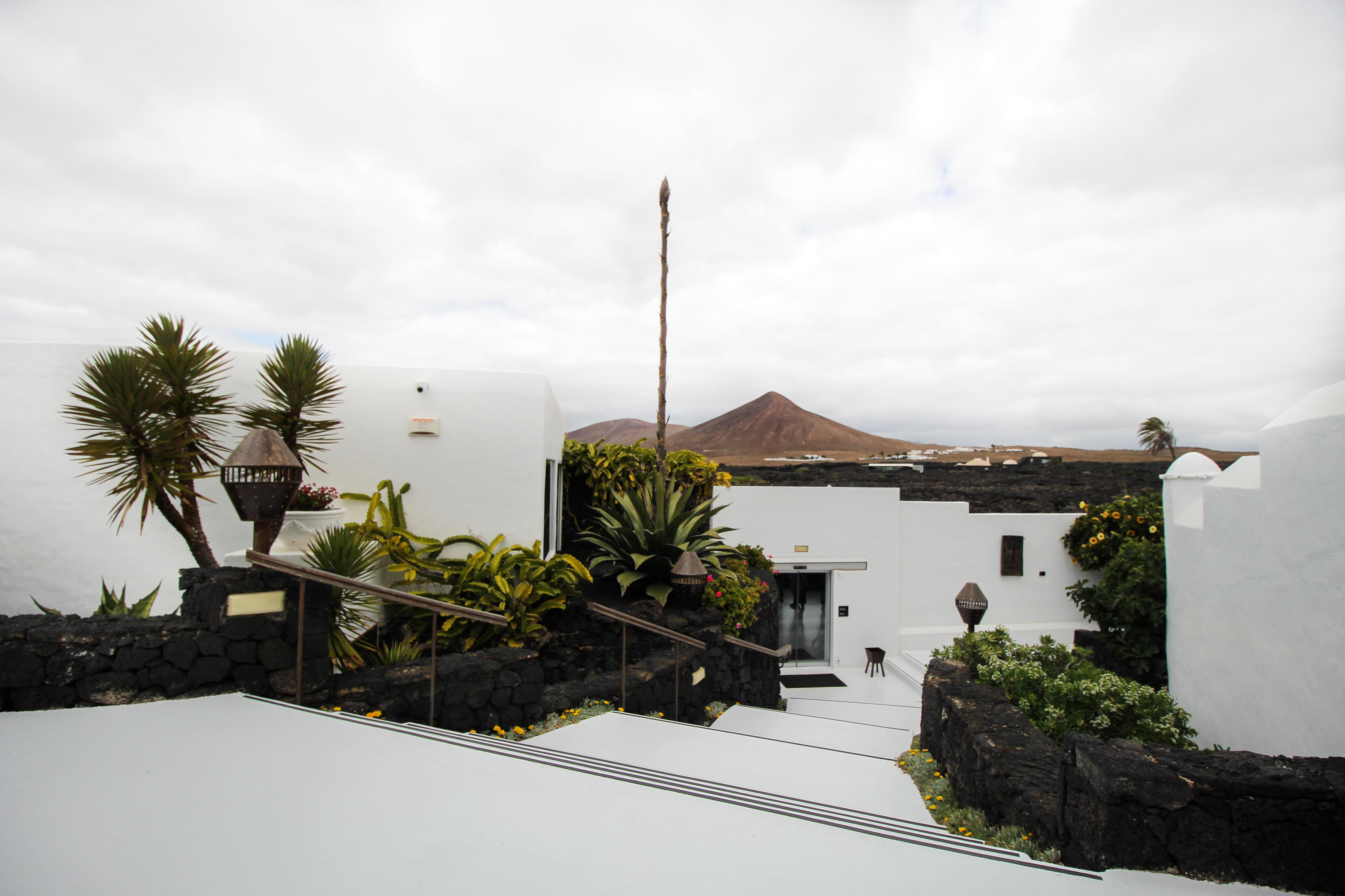 Top 10 Tipps Lanzarote Sehenswürdigkeiten Insider Tipps Lanzarote Spanien Fundación César Manrique Haus Reiseblog