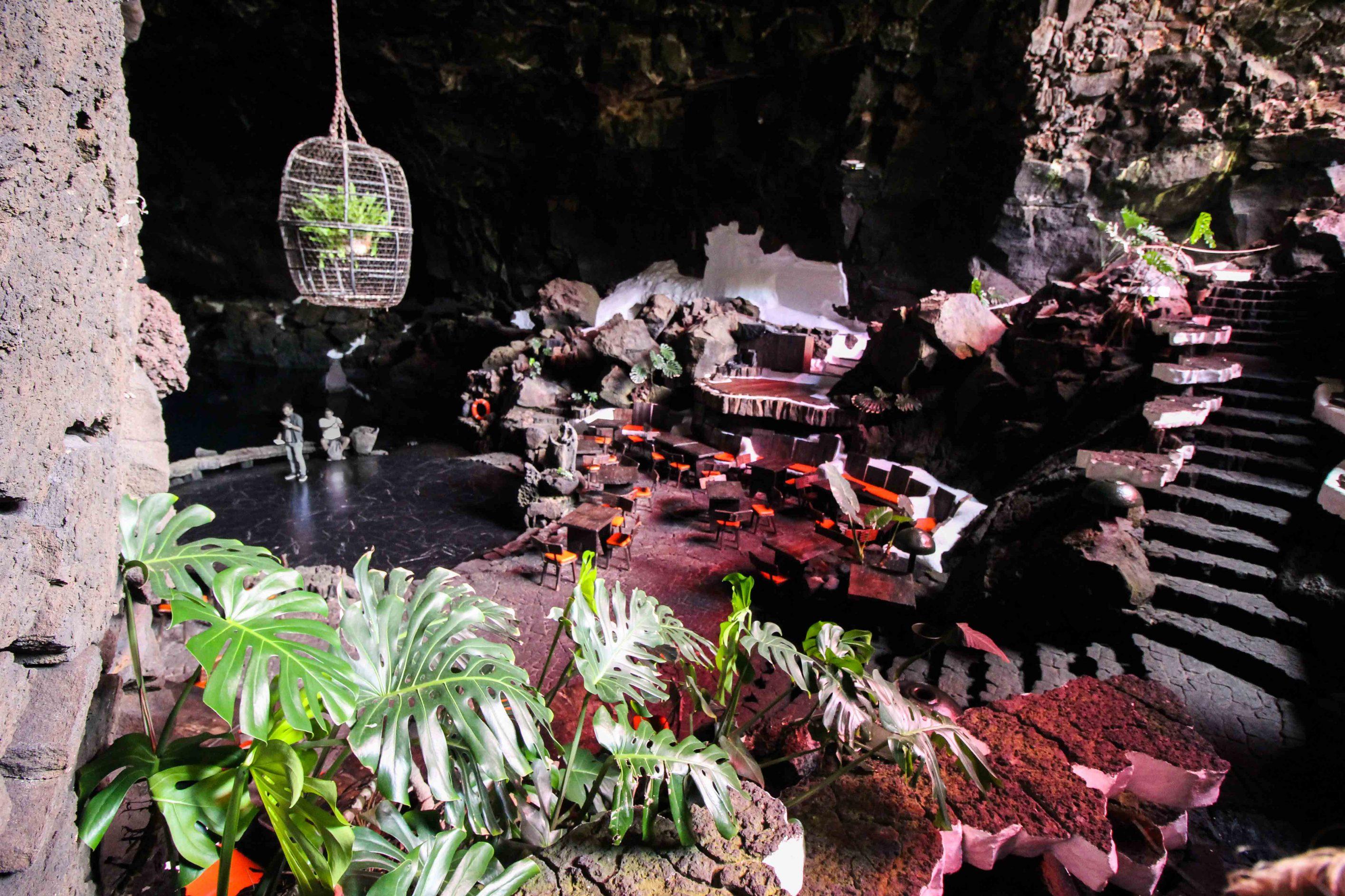 Top 10 Tipps Lanzarote Sehenswürdigkeiten Insider Tipps Lanzarote Spanien Jameos del Agua Restaurant Reiseblog