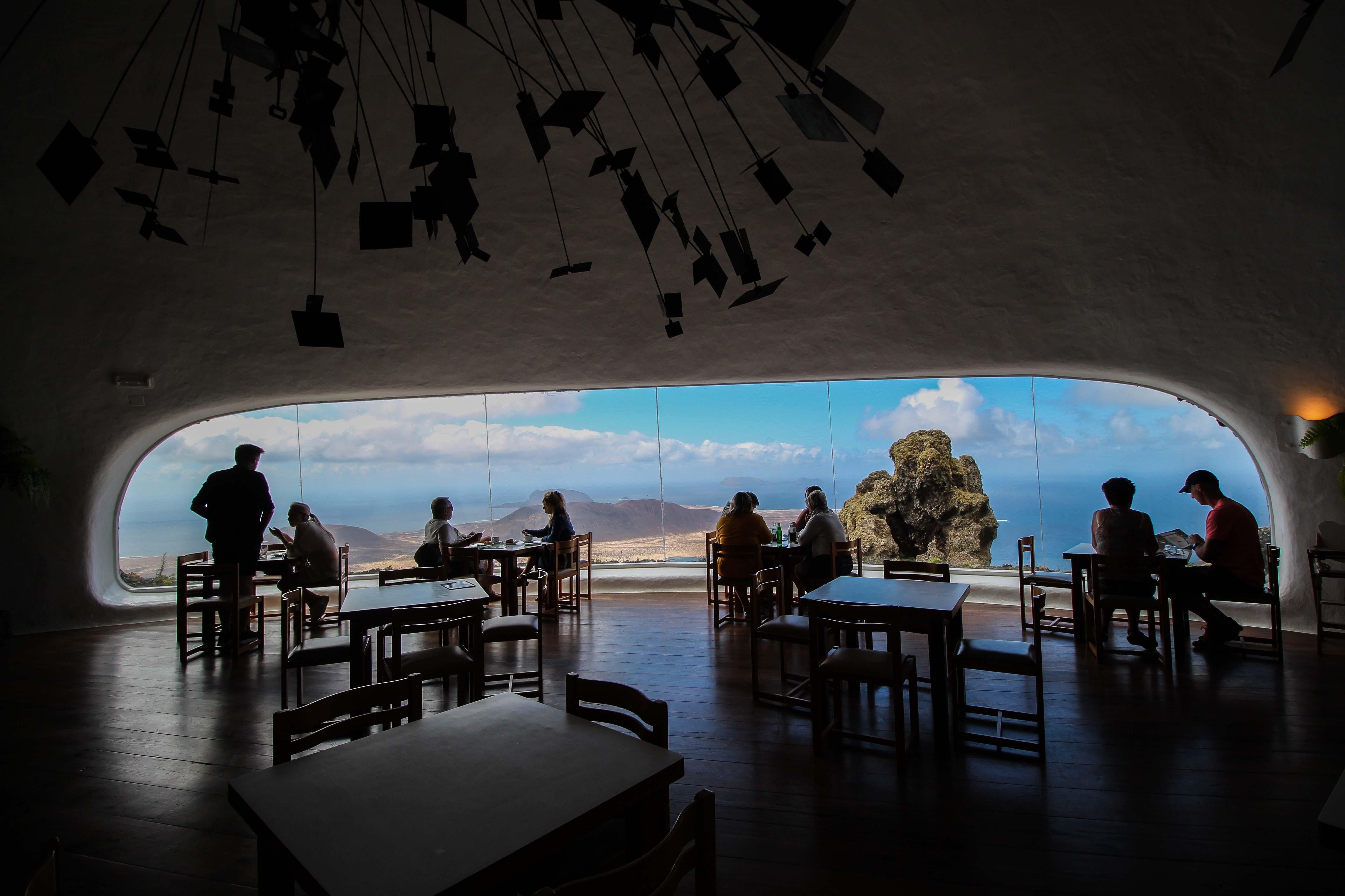 Top 10 Tipps Lanzarote Sehenswürdigkeiten Insider Tipps Lanzarote Spanien Mirador del Rio Restaurant