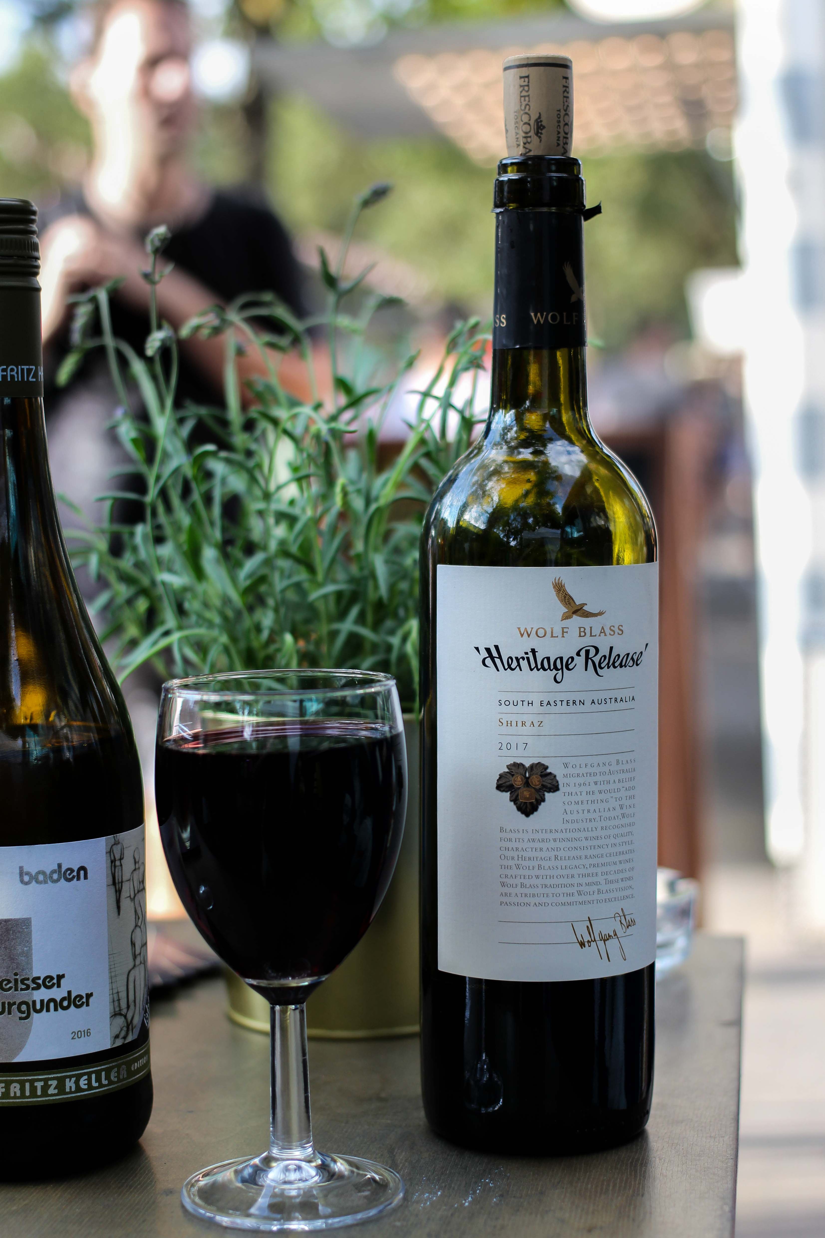 Aldi Süd Wein Tour Weinprobe Wein Truck Rheinuferfest Köln Weißwein Rotwein Shiraz Australien Stadtfest