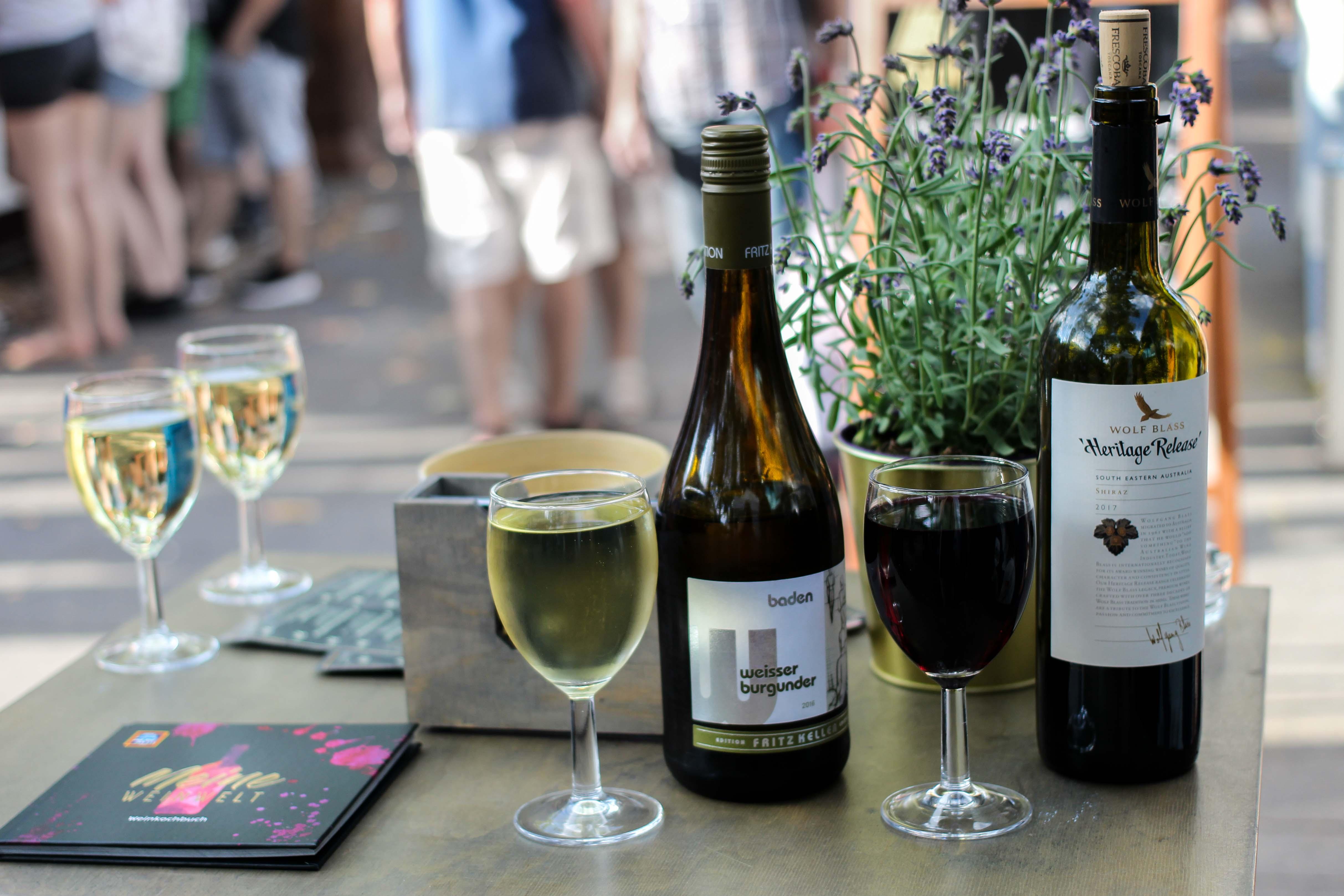 Aldi Süd Wein Tour Weinprobe Wein Truck Rheinuferfest Köln Weißwein weisser burgunder Fritz Keller Rotwein Shiraz Australien Stadtfest