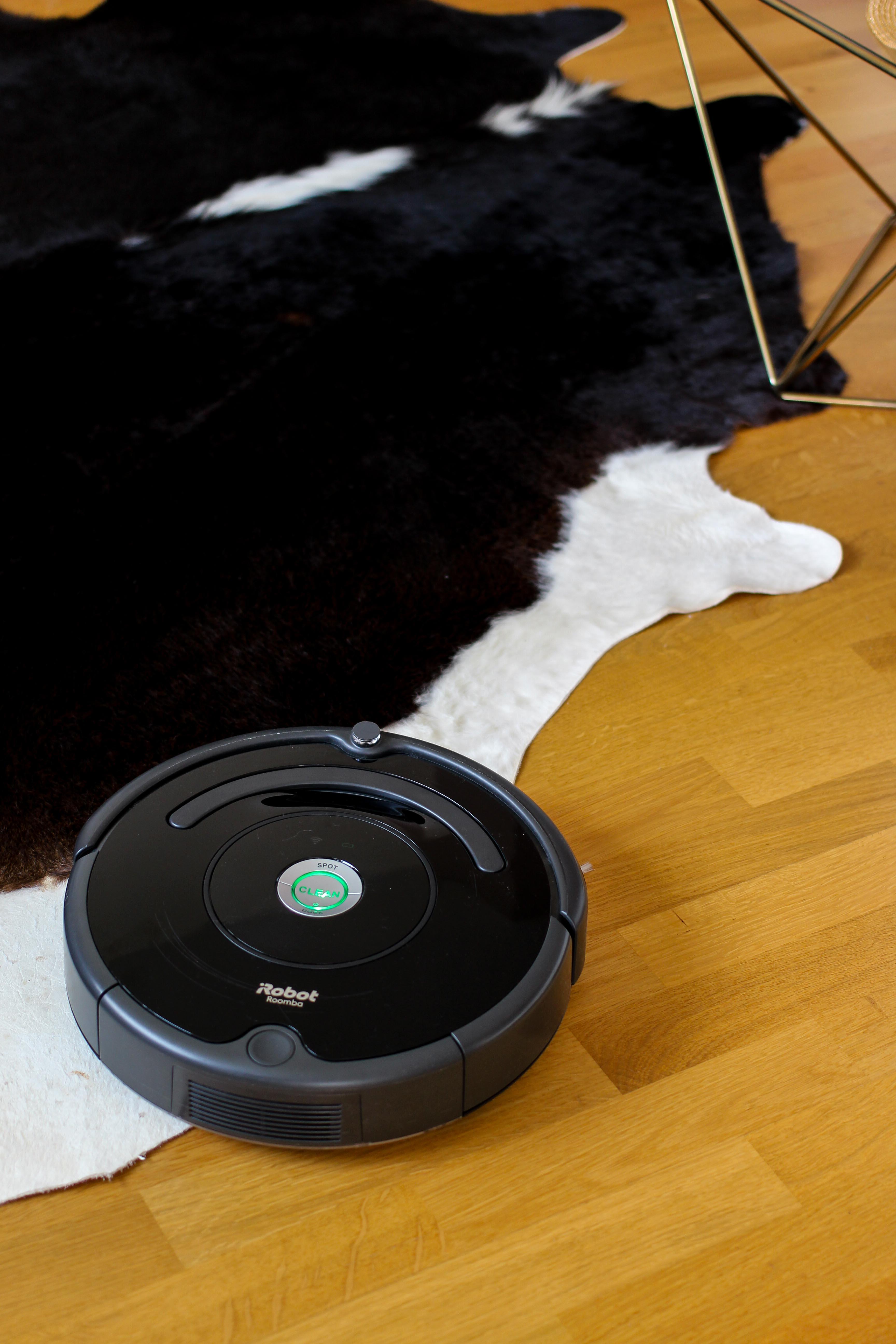 Amazon IRobot Roomba 671 Saugroboter Bewertung Erfahrungsbericht Staubsauger Ladestation Blogger Haushaltshilfe Saugroboter Test 2018