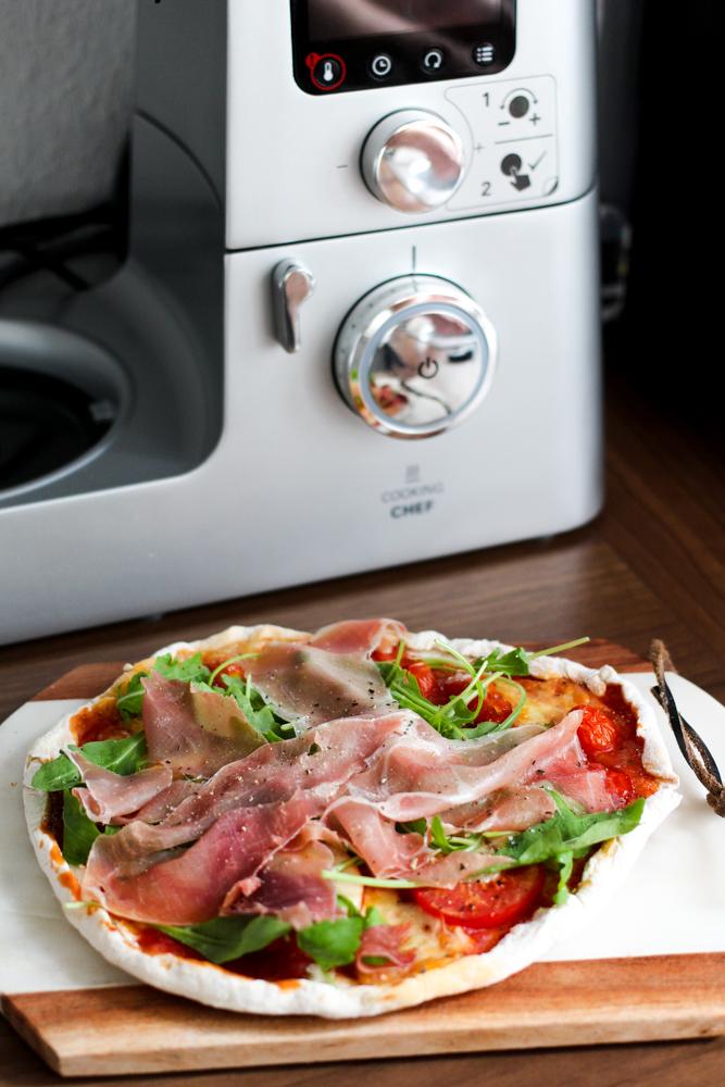 Amazon Kenwood Cooking Chef Gourmet KCC9060S Küchenmaschine Rezept selbstgemachte Pizza Parma Rucola Bewertung Blogger Erfahrungsbericht Test 2018