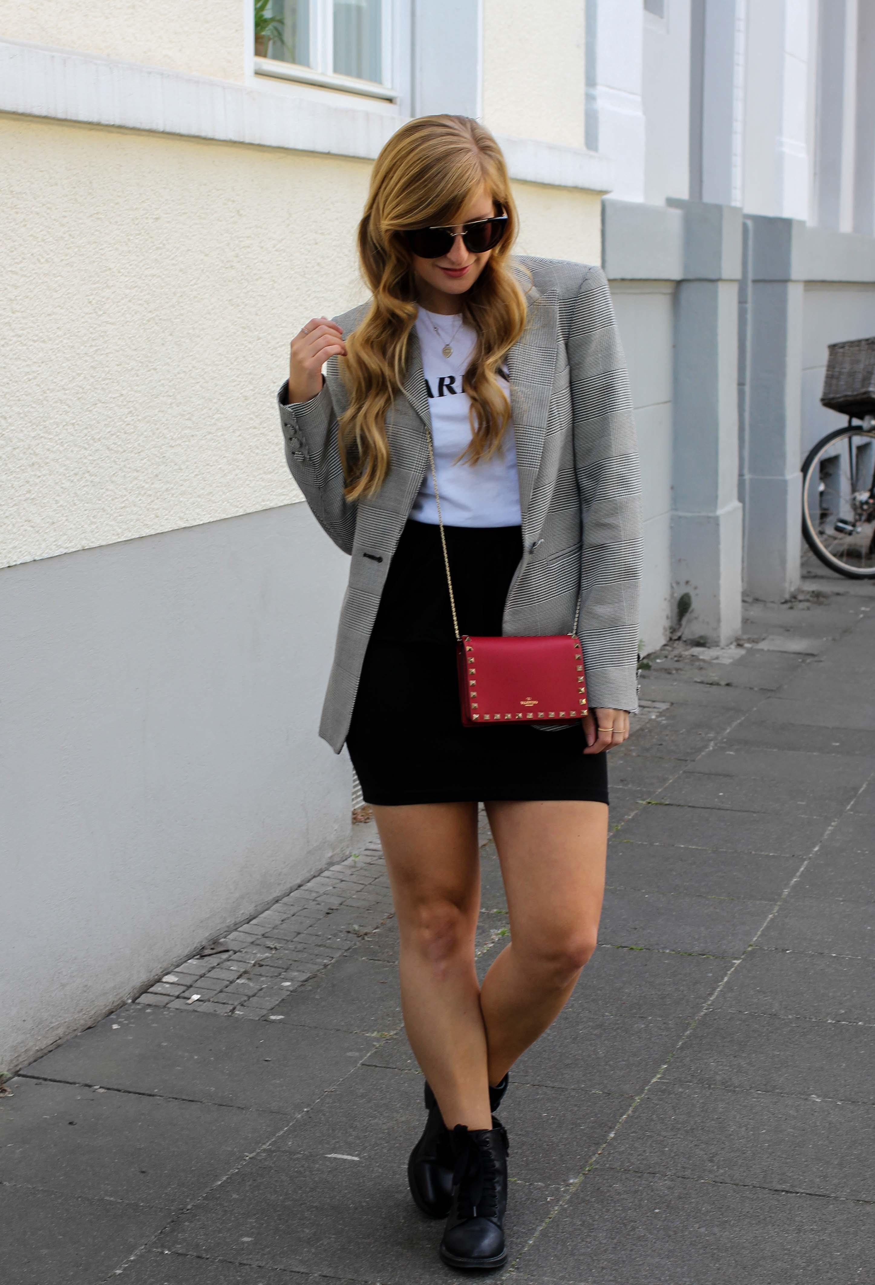 Casual Business Look Karo Blazer Zara Statement Shirt Darlin Nakd Edited Boots Schleife Modeblogger Bonn Valentino Tasche Rot 1