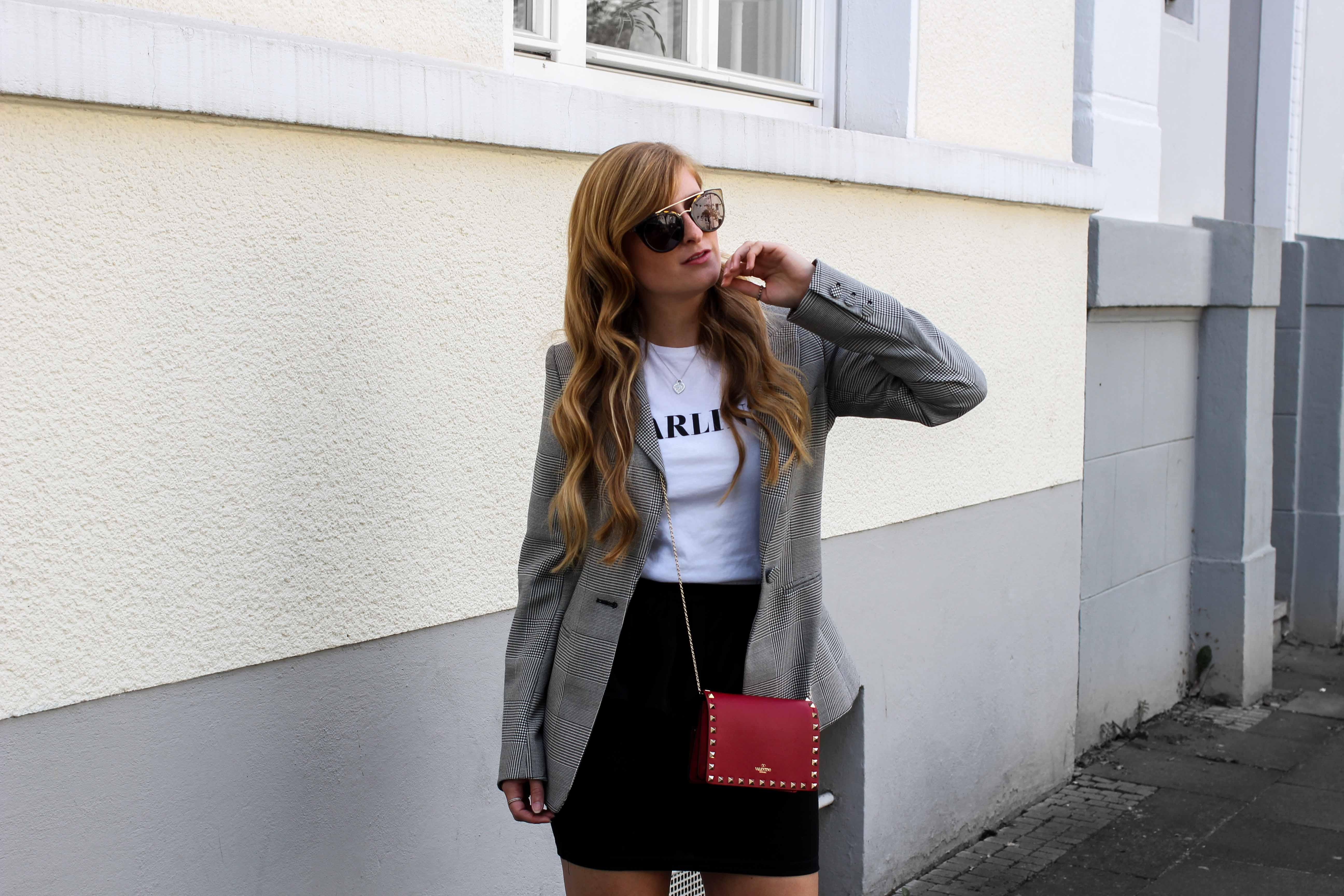 Casual Business Look Karo Blazer Zara Statement Shirt Darlin Nakd Modeblogger Bonn Valentino Tasche Rot
