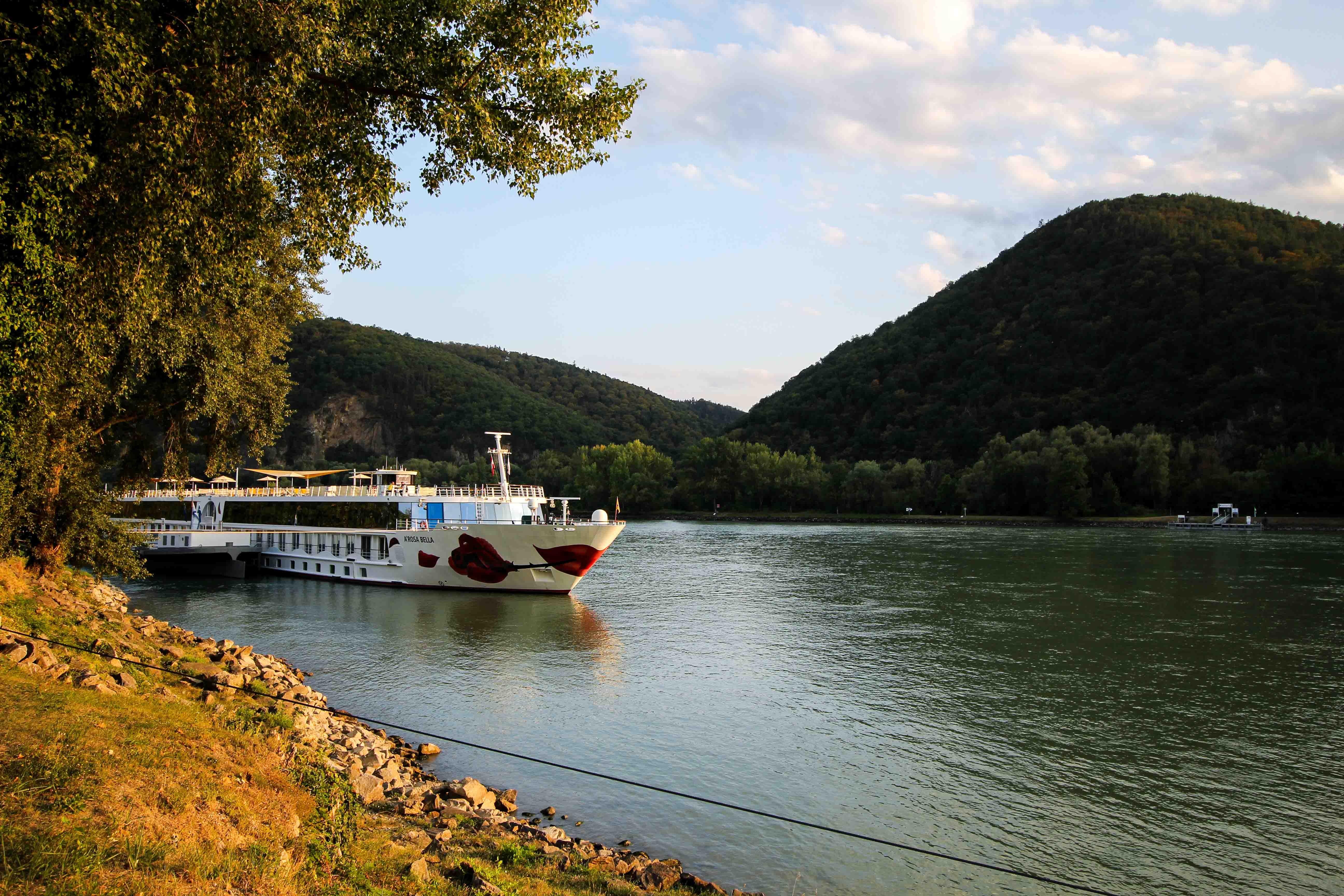 Donaukreuzfahrt A-Rosa Bella Flusskreuzfahrt Flusskreuzfahrtschiff Donau Wachau Dürnstein Arosa Brinisfashionbook Reiseblogger