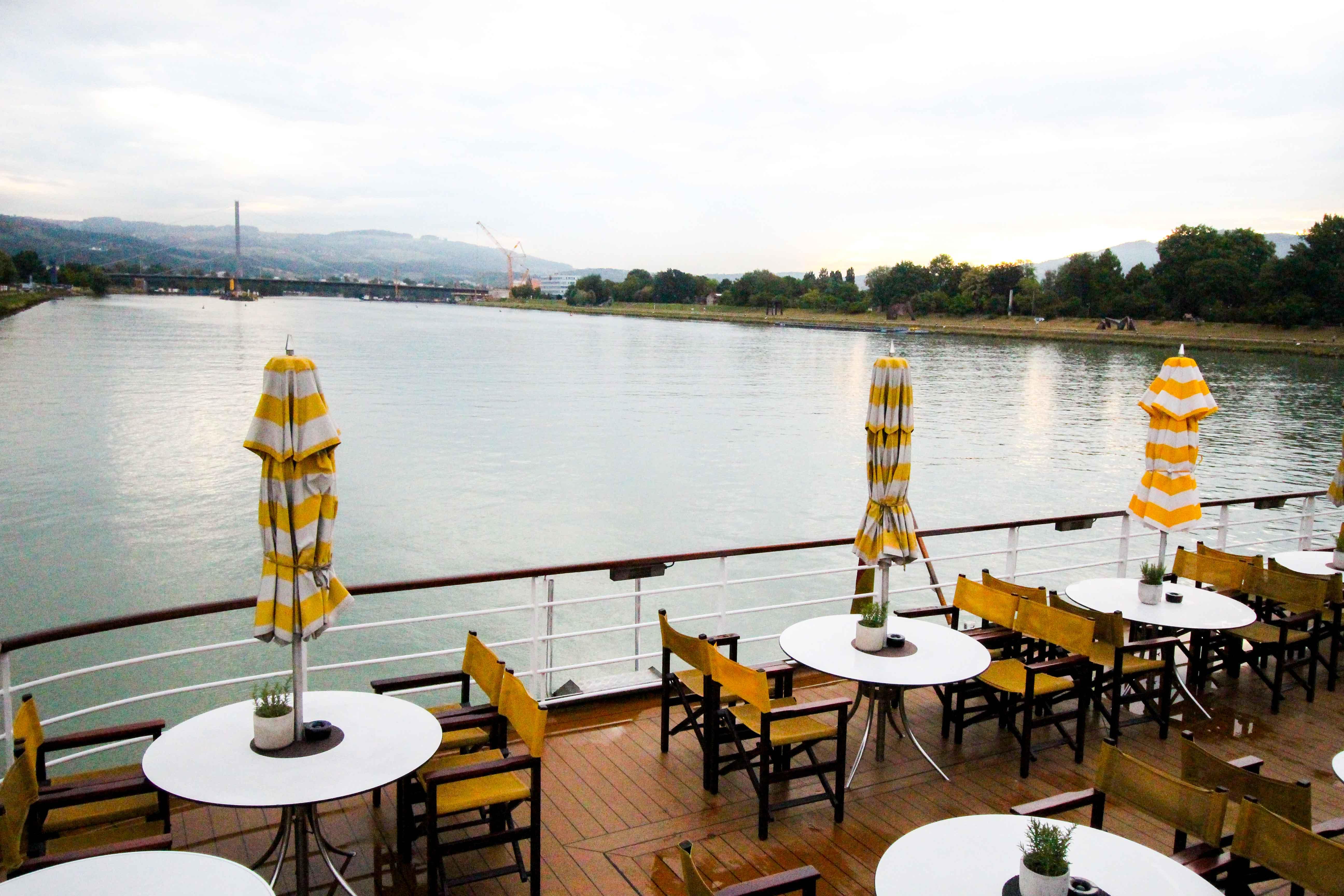 Donaukreuzfahrt A-Rosa Bella Flusskreuzfahrt Sonnendeck Linz Flusskreuzfahrtschiff Donau Melk 7 Tage Donau Klassik Tour Arosa Reiseblogger 2