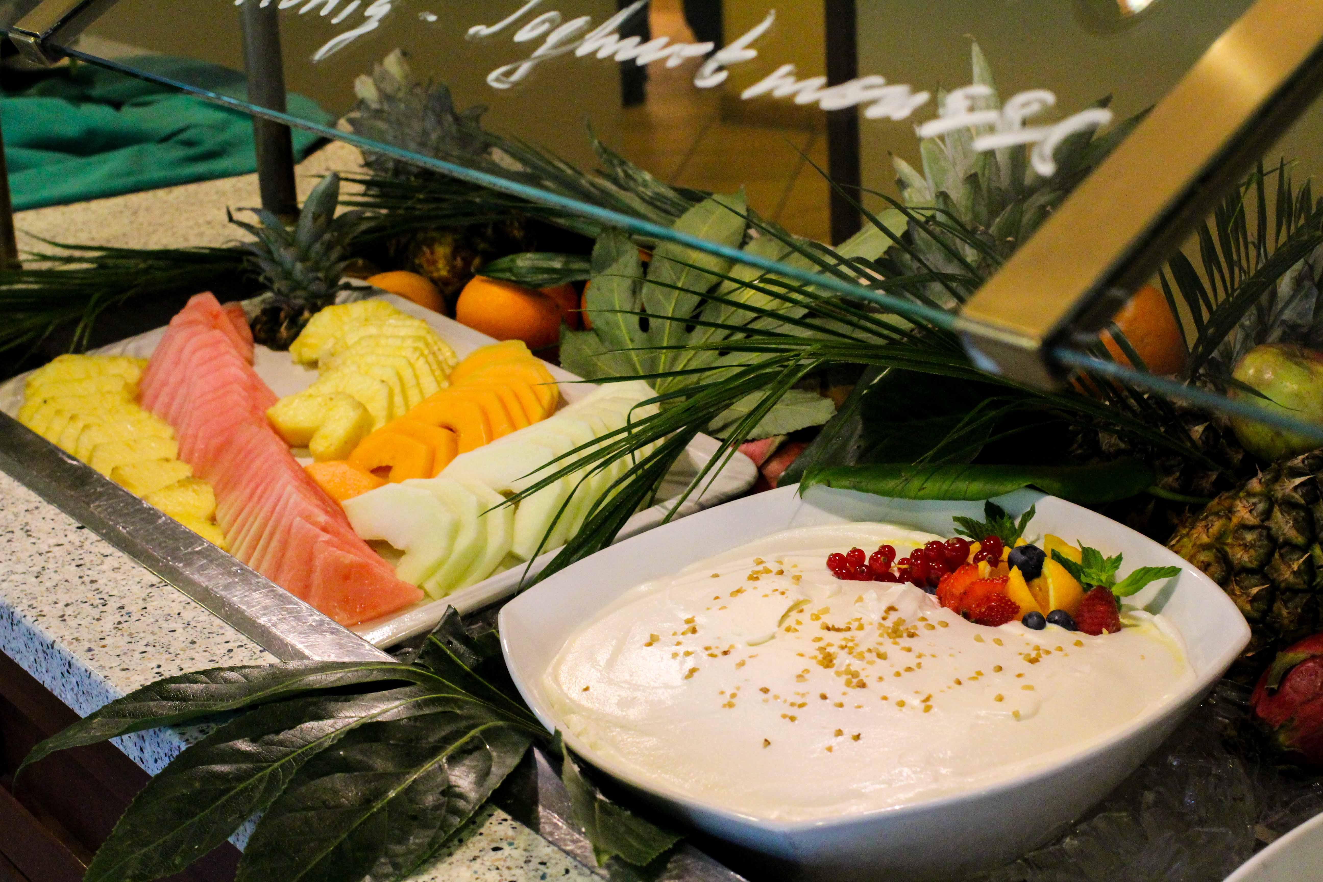 Donaukreuzfahrt A-Rosa Bella Frühstück Buffet Dessert Flusskreuzfahrt Flusskreuzfahrtschiff 7 Tage Donau Klassik Tour Arosa Reiseblogger