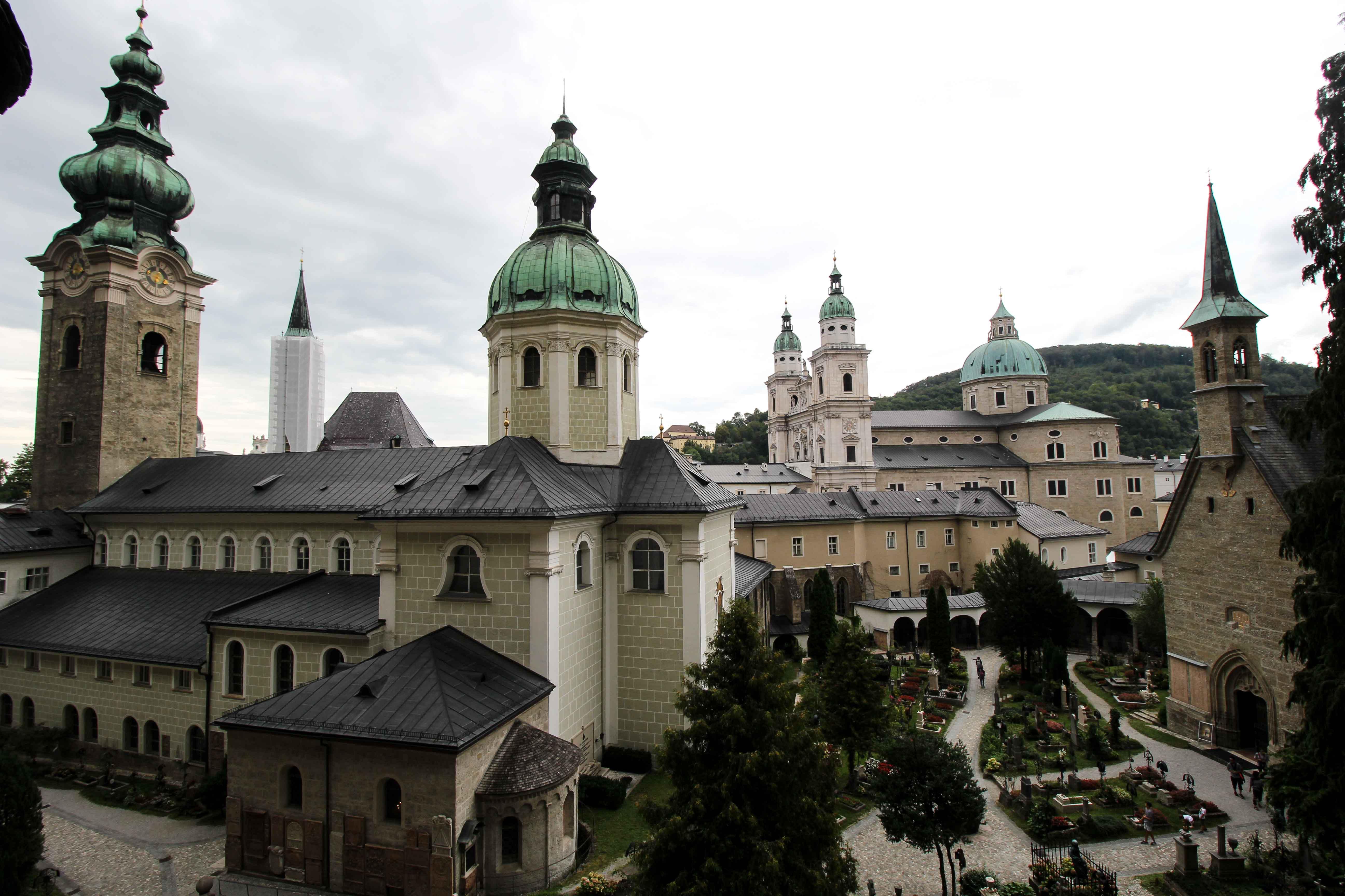 Benediktinerinnenabtei Nonnberg Aussicht Gruf Salzburg Österreich Insider Tipps Sehenswürdigkeiten Donaukreuzfahrt Arosa Reiseblog