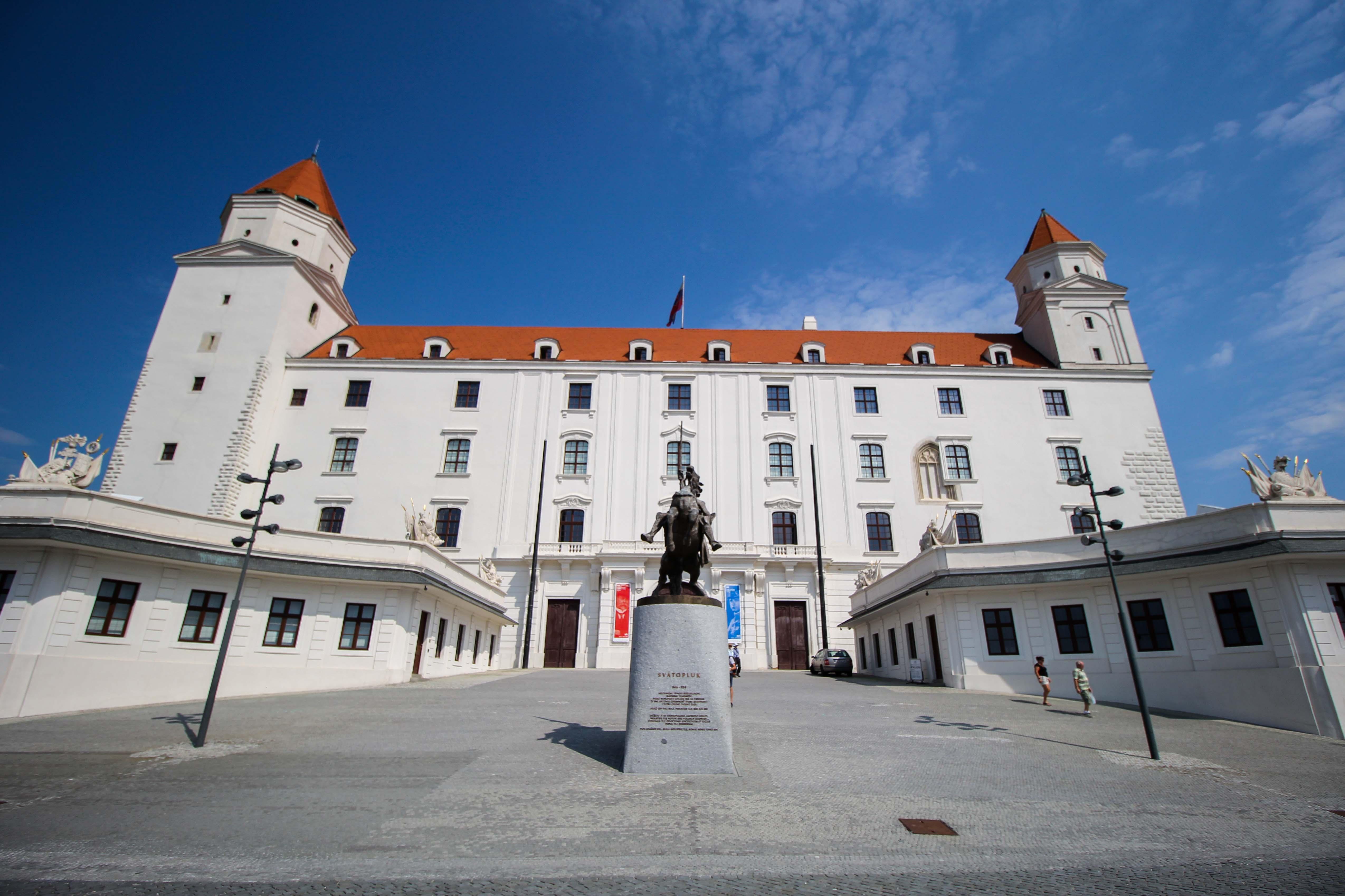 Bratislava Insider Tipps Sehenswürdigkeiten Bratislava Burg Pressburg Donaukreuzfahrt Arosa 2