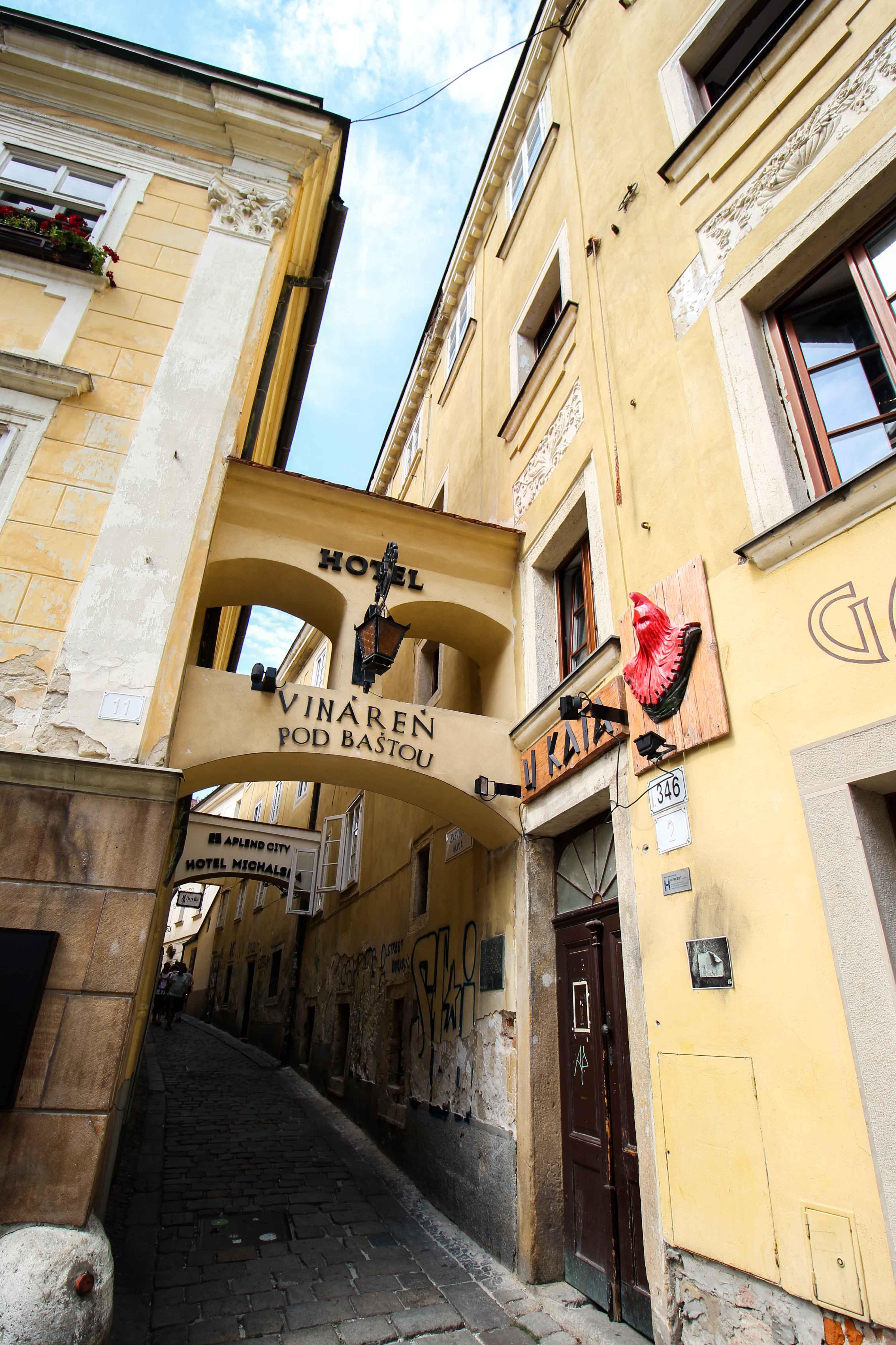 Bratislava Insider Tipps Sehenswürdigkeiten Bratislava Henkershaus Donaukreuzfahrt Arosa