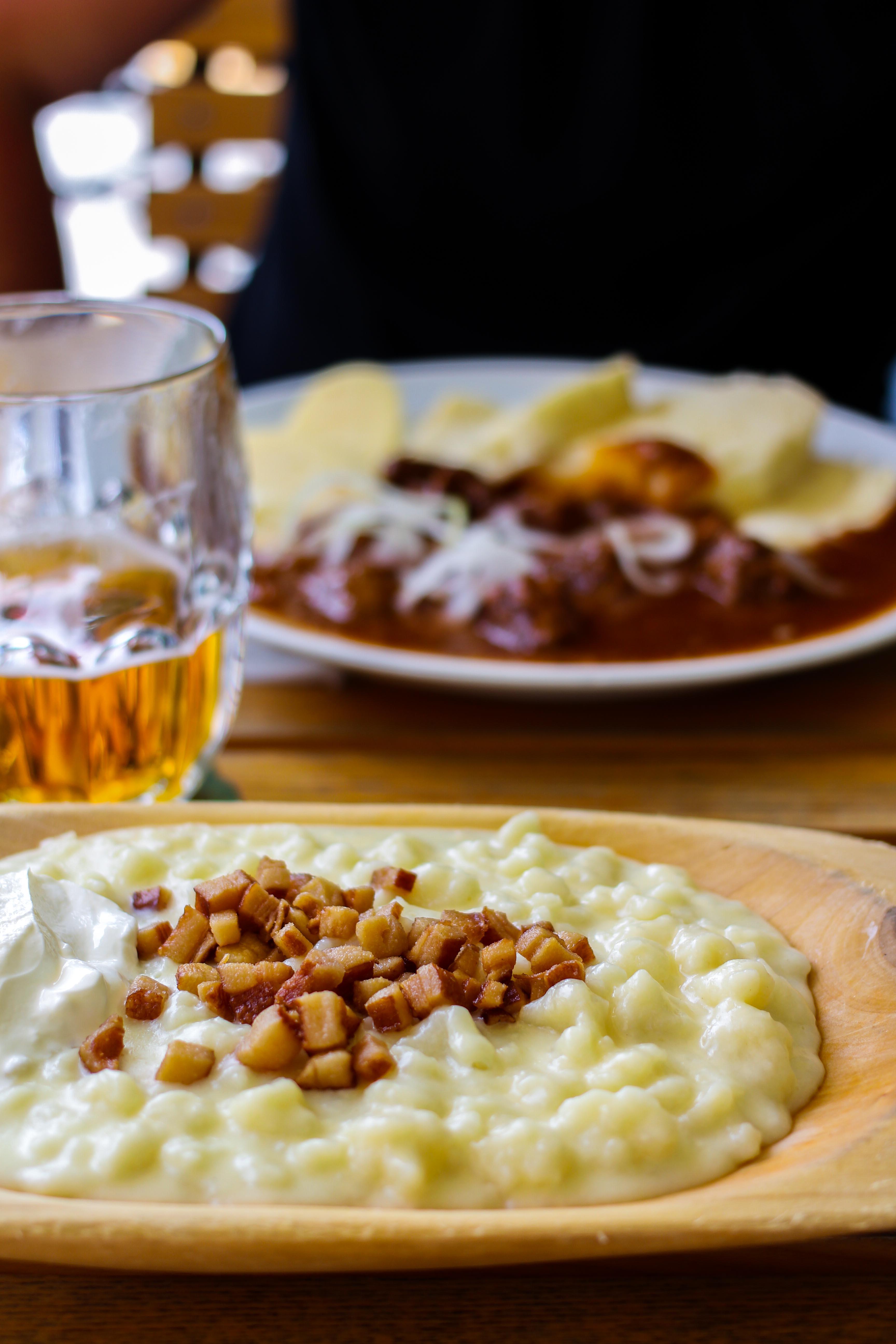 Bratislava Insider Tipps Sehenswürdigkeiten Bratislava Nationalgericht Slowakei Brimsennocken typischen Essen Donaukreuzfahrt Arosa