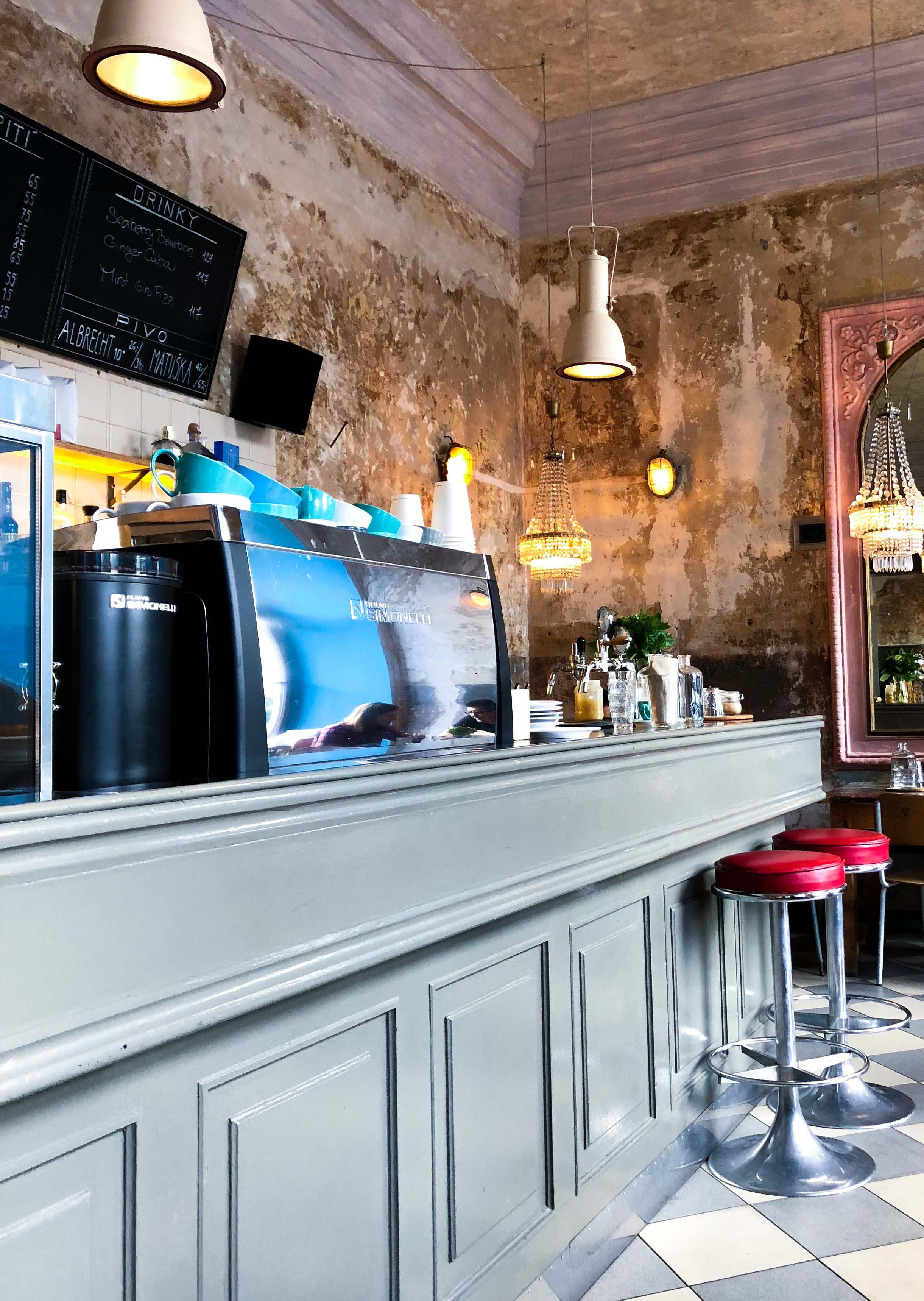 Cafe Letka Frühstück Restaurant Insider Tipps Prag Food Tipps besten Restaurants brunchen Reiseblog
